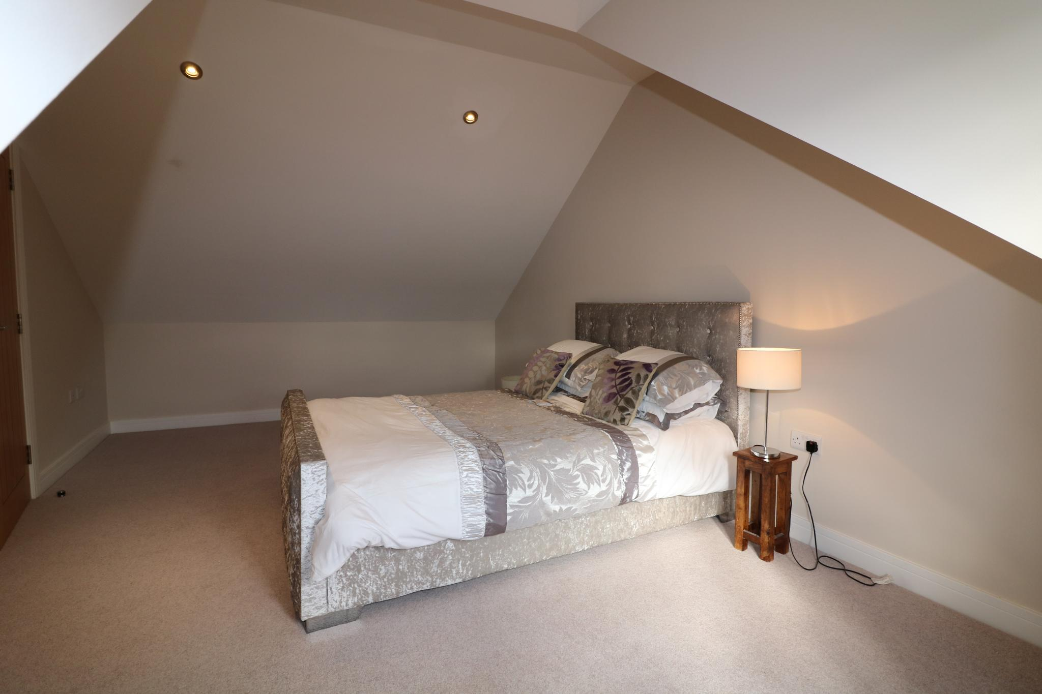 5 Bedroom Detached House For Sale - Photograph 39