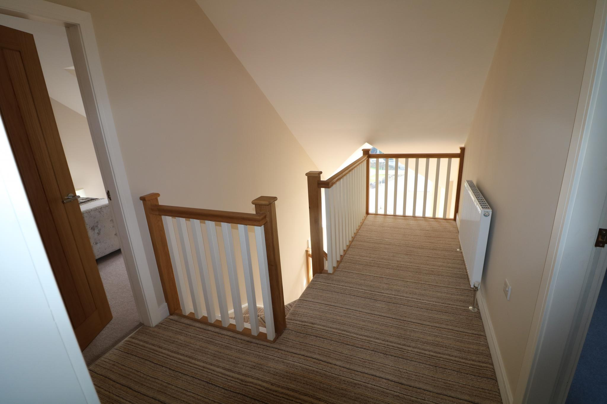 5 Bedroom Detached House For Sale - Photograph 37