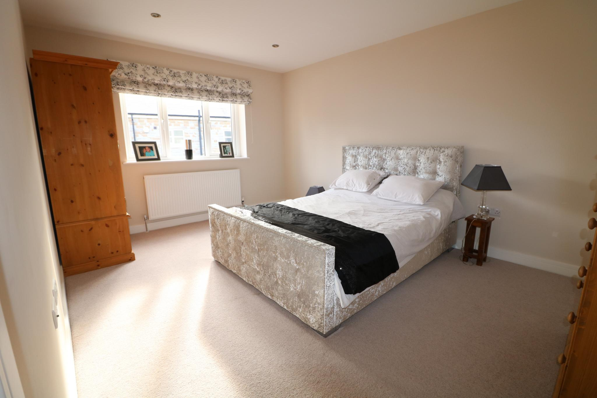 5 Bedroom Detached House For Sale - Photograph 33