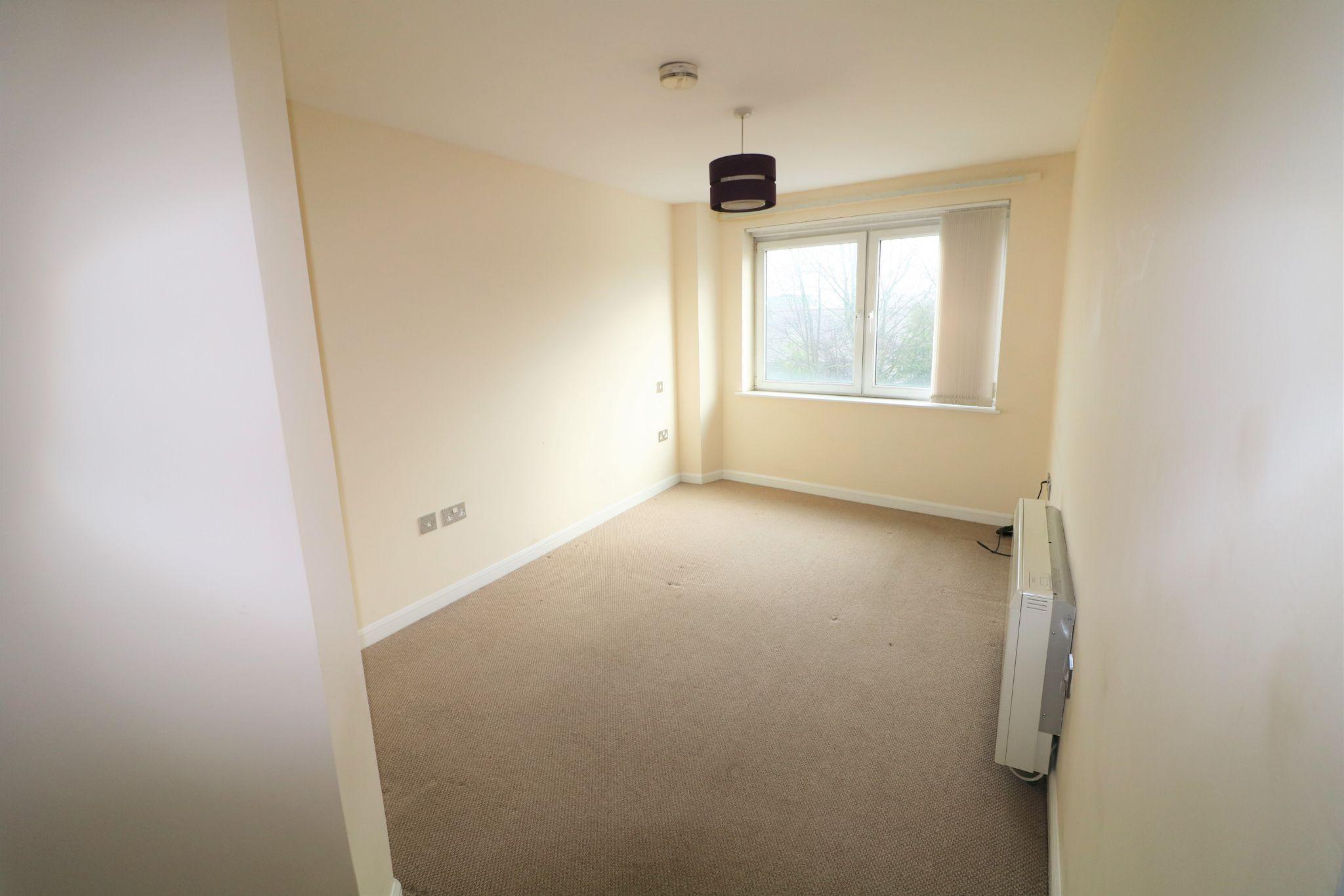 2 Bedroom Ground Floor Flat/apartment To Rent - Photograph 7
