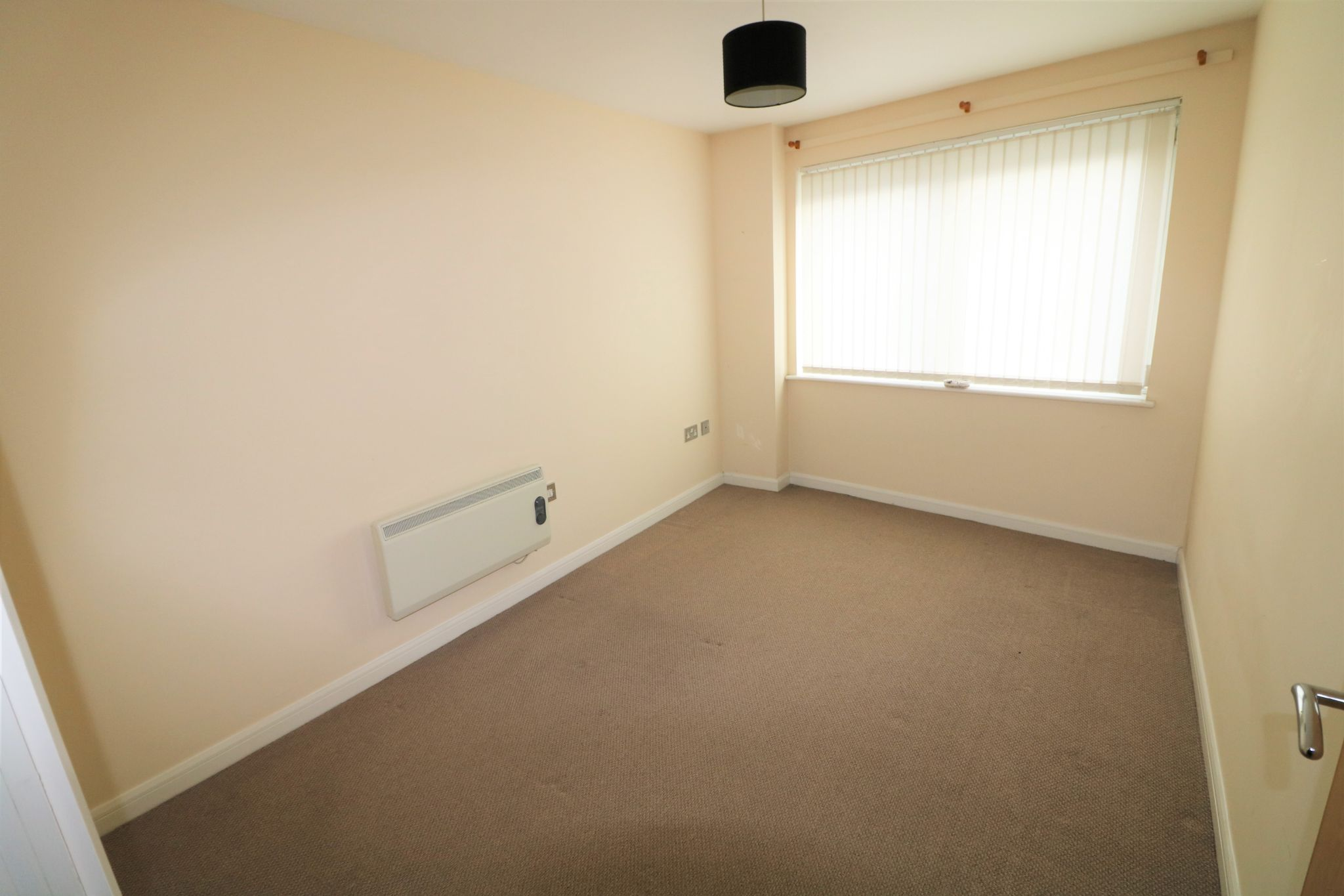 2 Bedroom Ground Floor Flat/apartment To Rent - Photograph 6