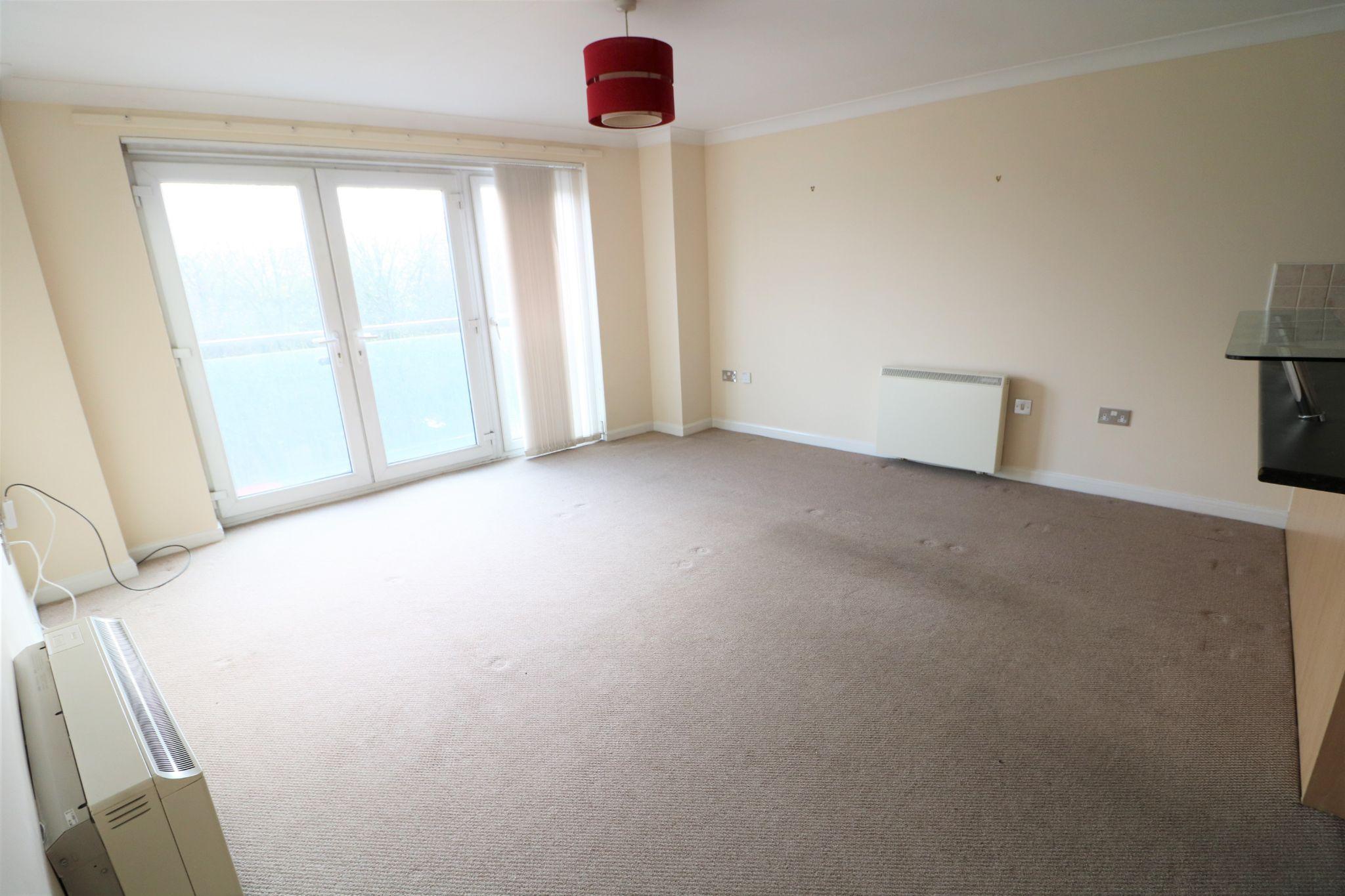 2 Bedroom Ground Floor Flat/apartment To Rent - Photograph 4