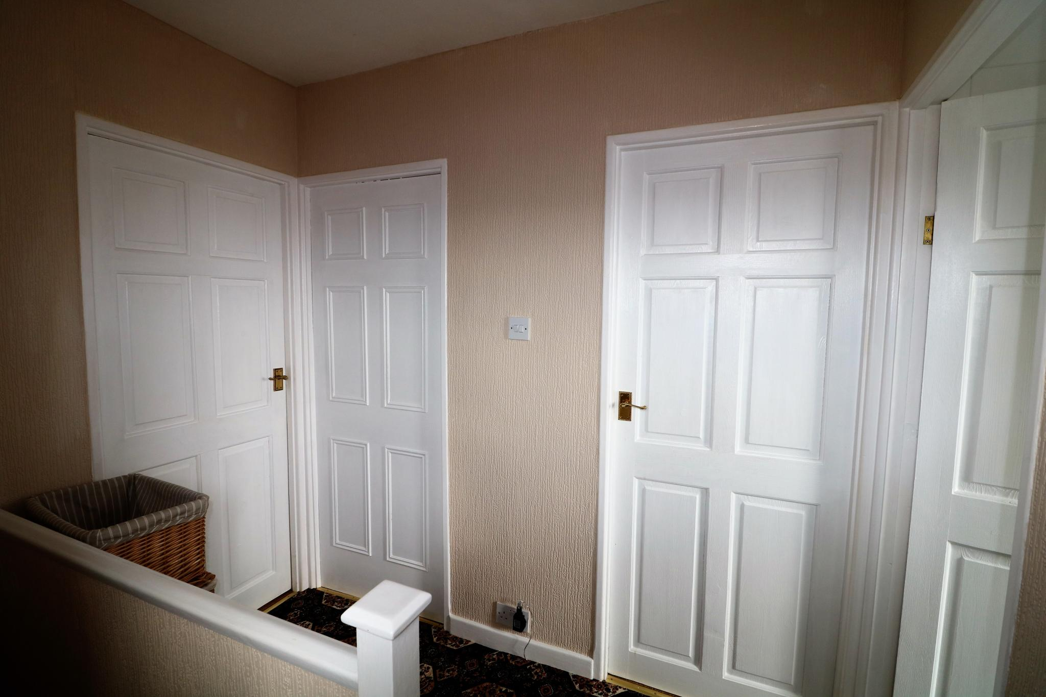 2 Bedroom Town House For Sale - Photograph 13