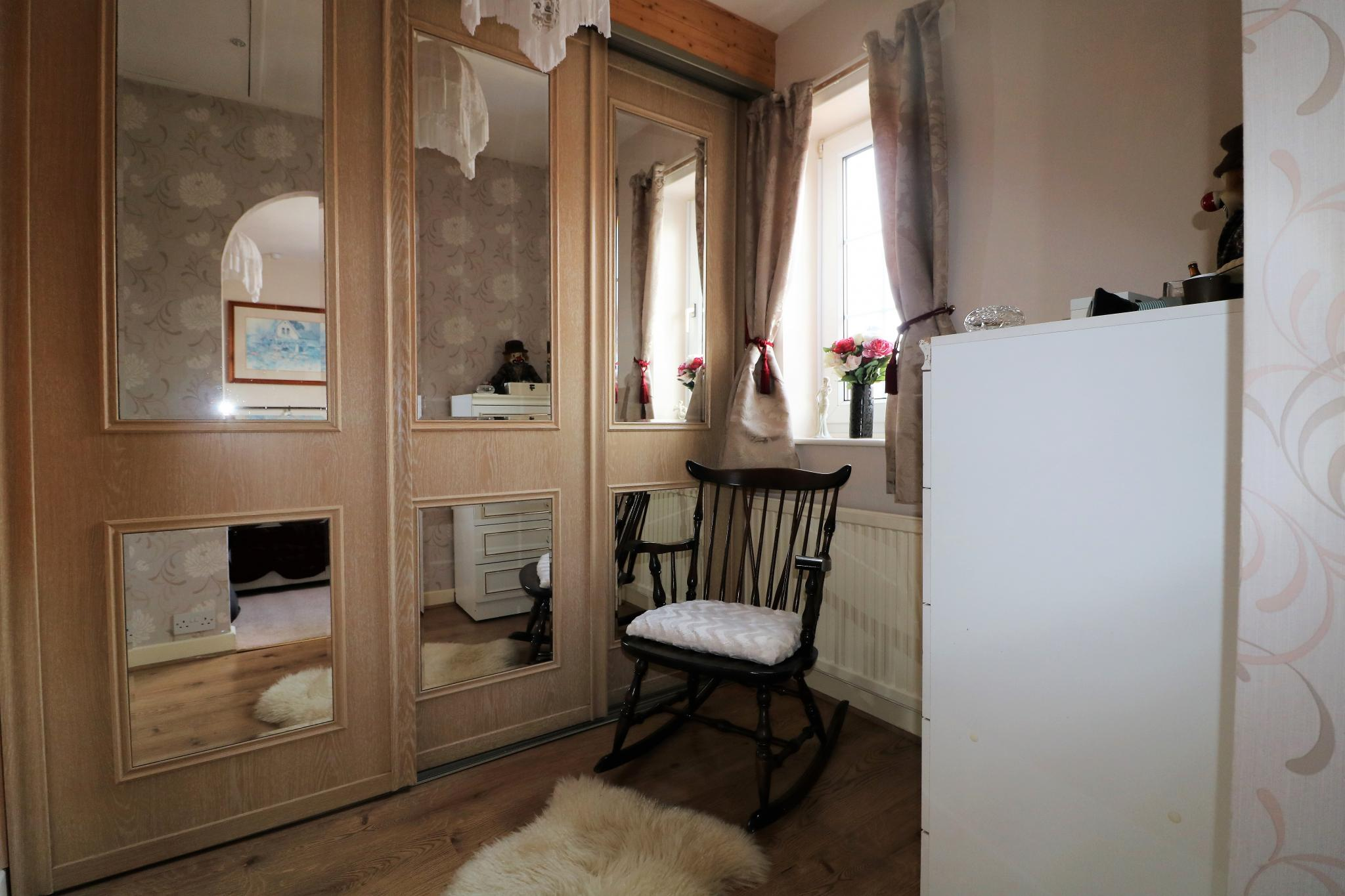 2 Bedroom Town House For Sale - Photograph 12
