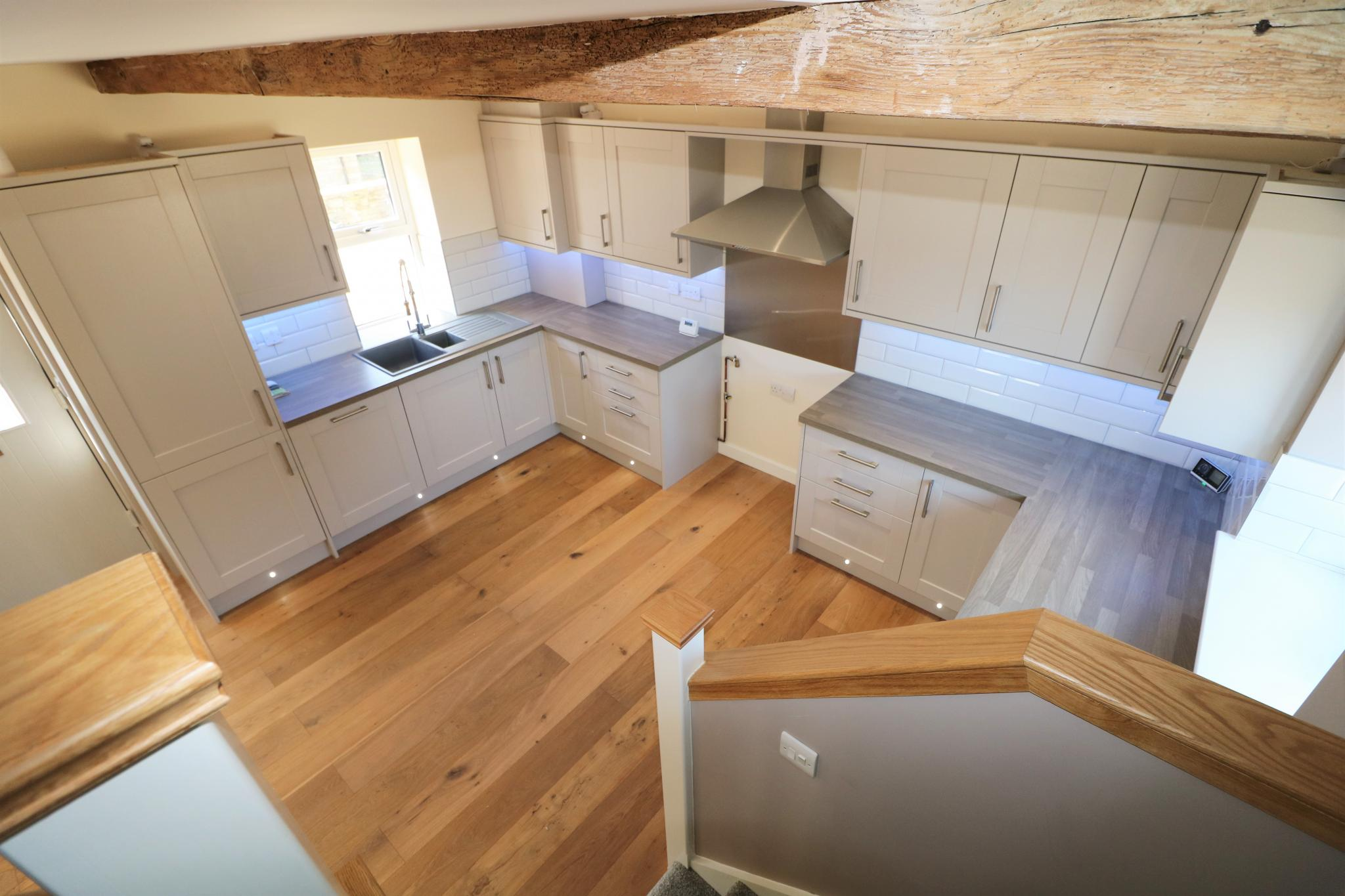 3 Bedroom Barn Conversion House For Sale - Photograph 4