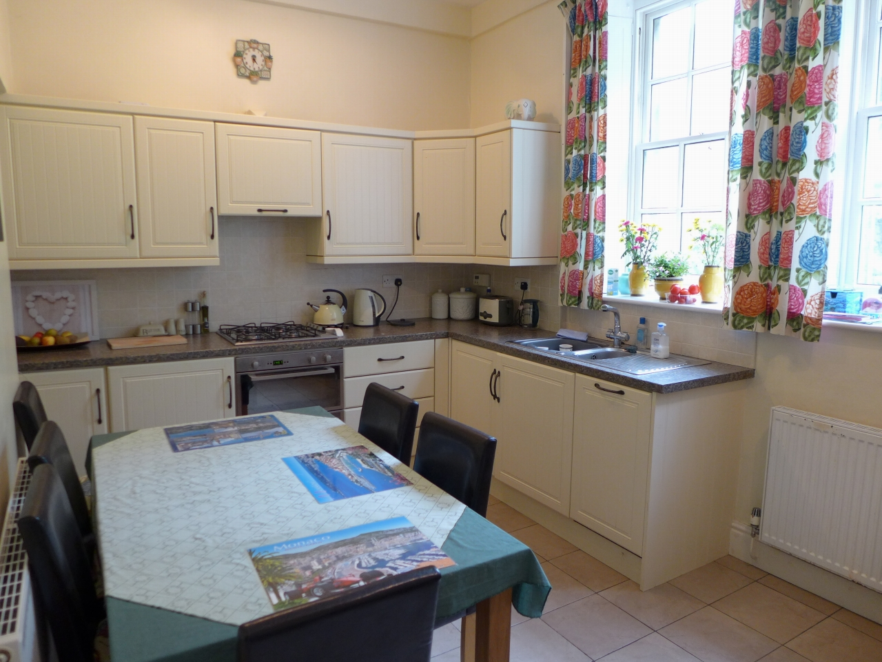 3 bedroom end terraced house For Sale in Calderdale - Photograph 2.