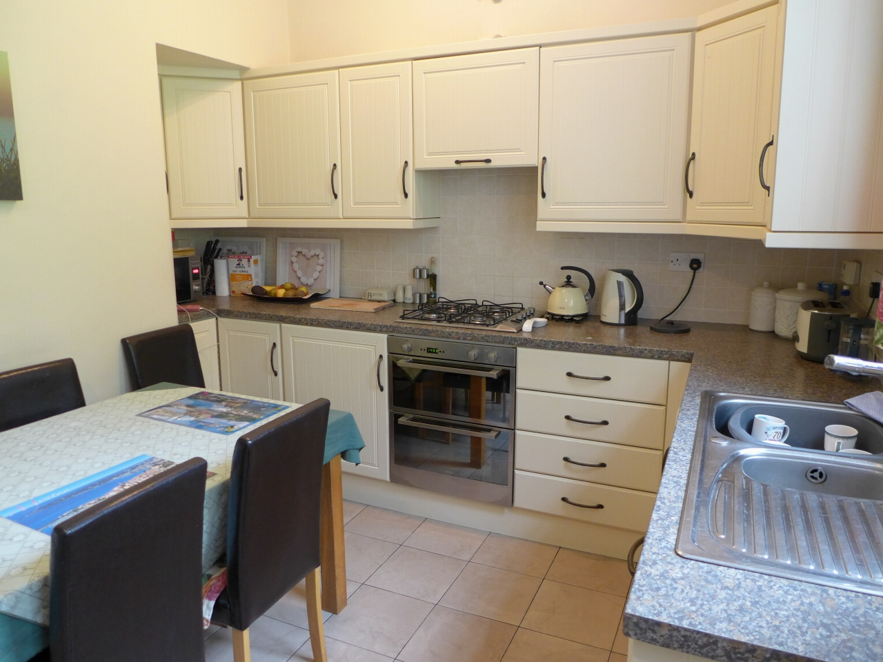 3 bedroom end terraced house For Sale in Calderdale - Photograph 3.