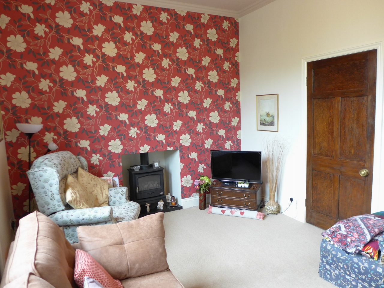 3 bedroom end terraced house For Sale in Calderdale - Photograph 4.