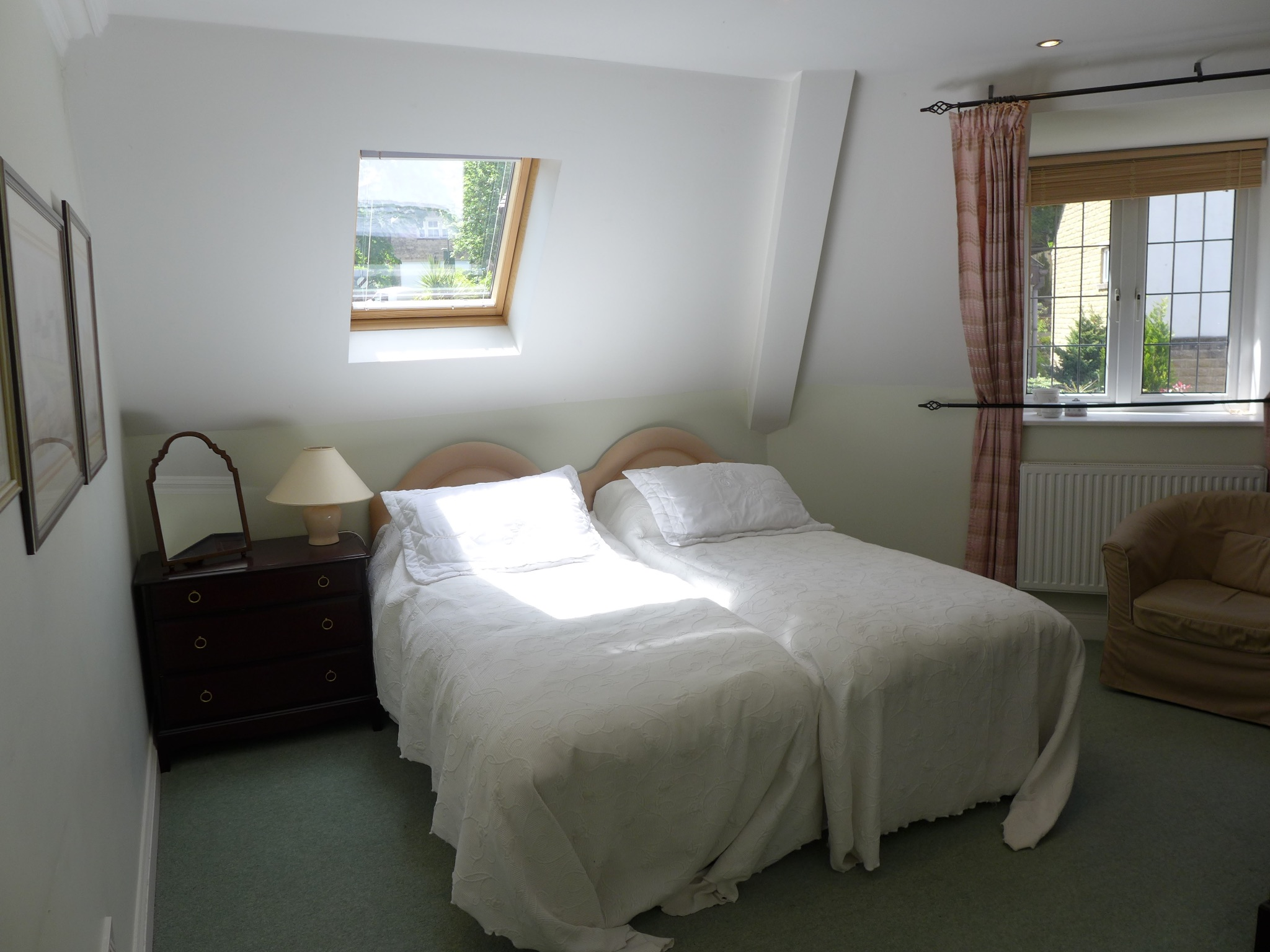 3 bedroom detached house For Sale in Todmorden - Photograph 15.
