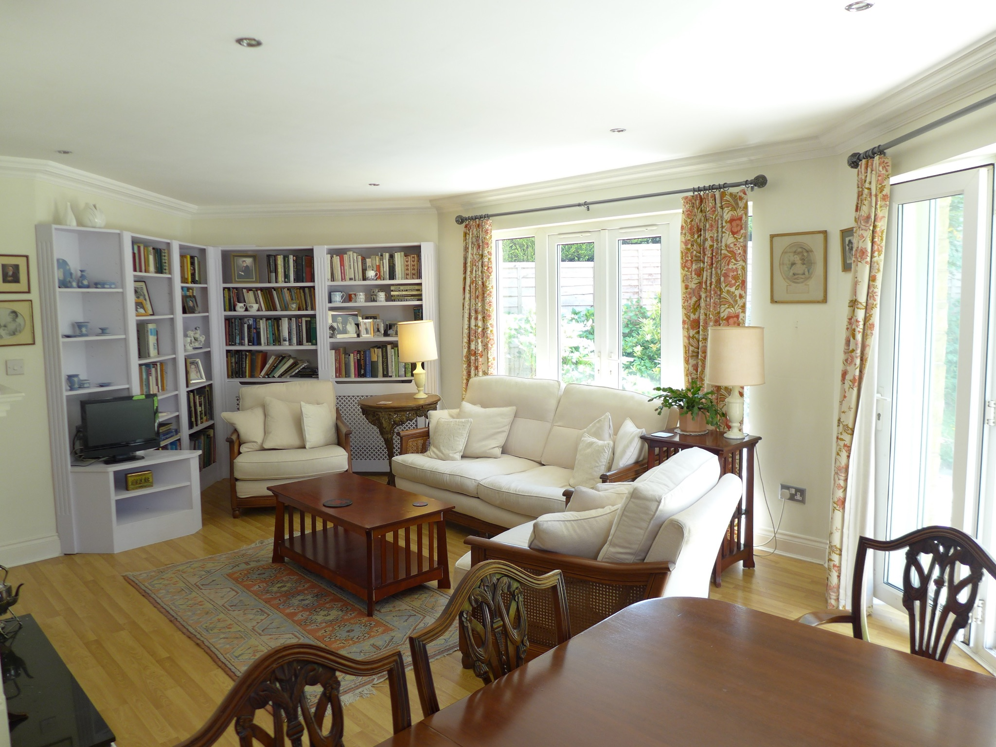 3 bedroom detached house For Sale in Todmorden - Photograph 6.