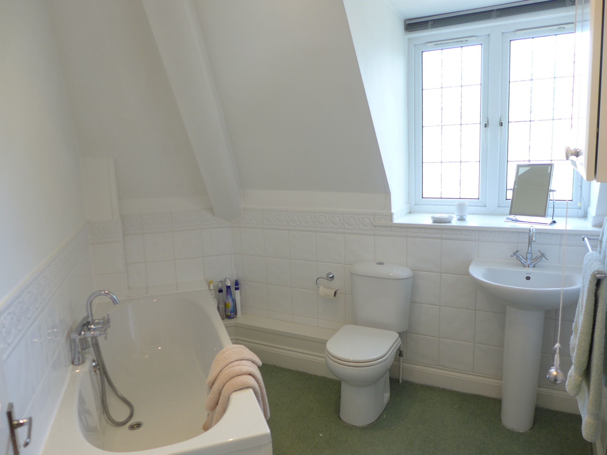3 bedroom detached house For Sale in Todmorden - Photograph 17.