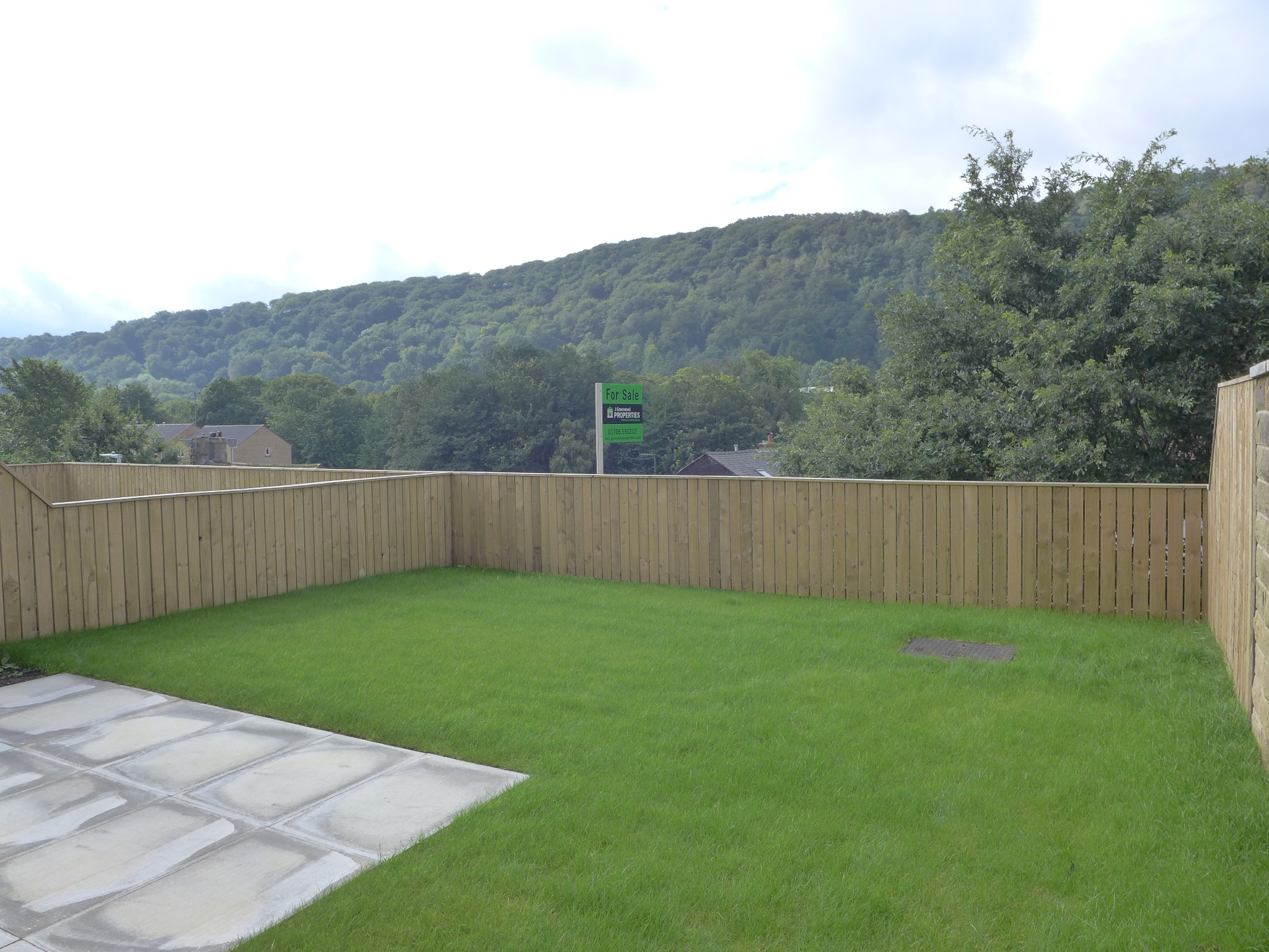 Semi-detached House For Sale in Todmorden - Photograph 14.