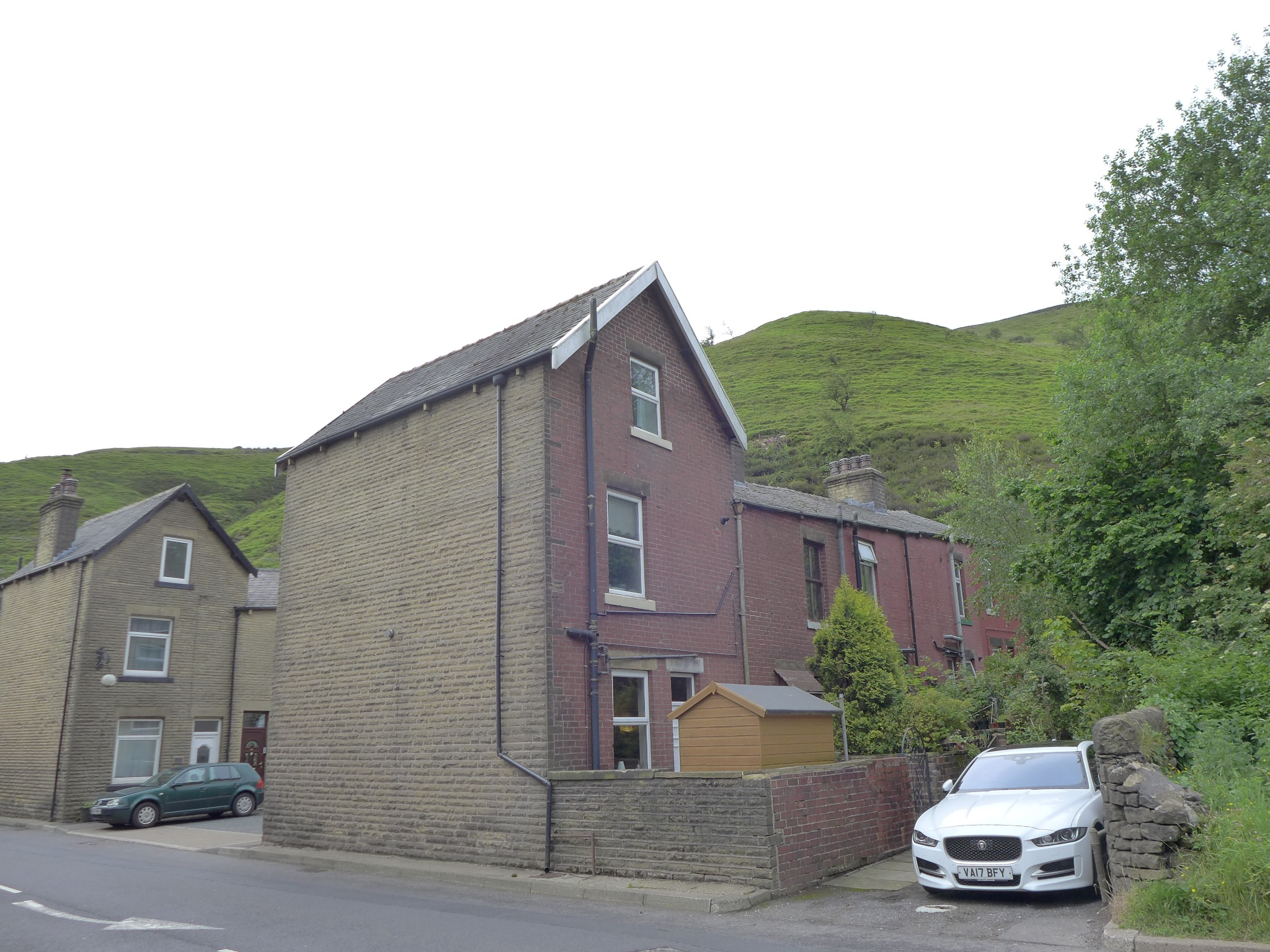 3 bedroom end terraced house For Sale in Todmorden - Photograph 19.