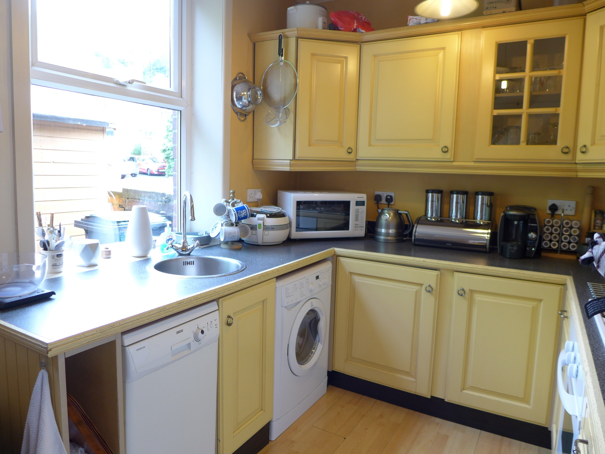 3 bedroom end terraced house For Sale in Todmorden - Photograph 7.