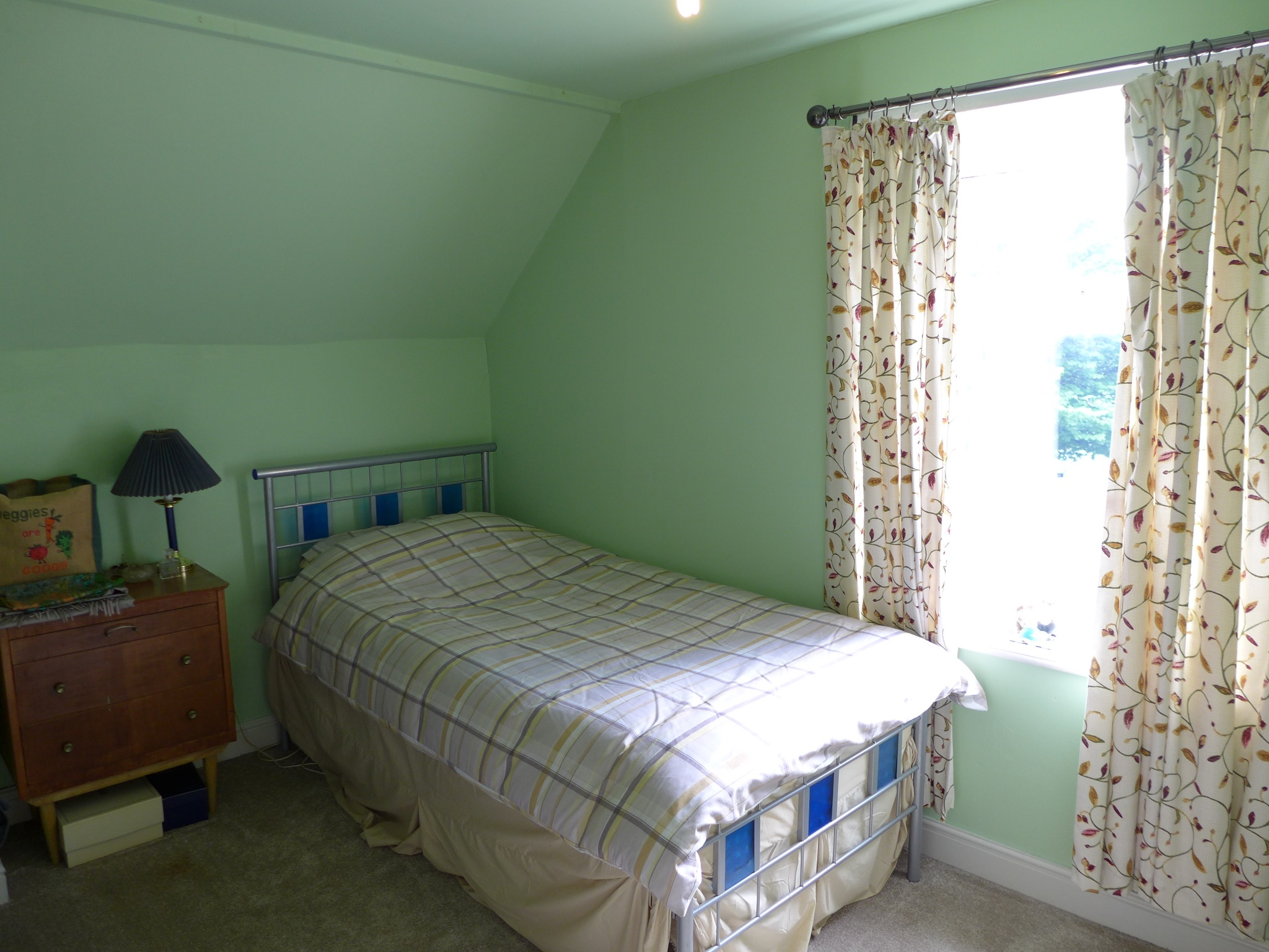 3 bedroom end terraced house For Sale in Todmorden - Photograph 15.