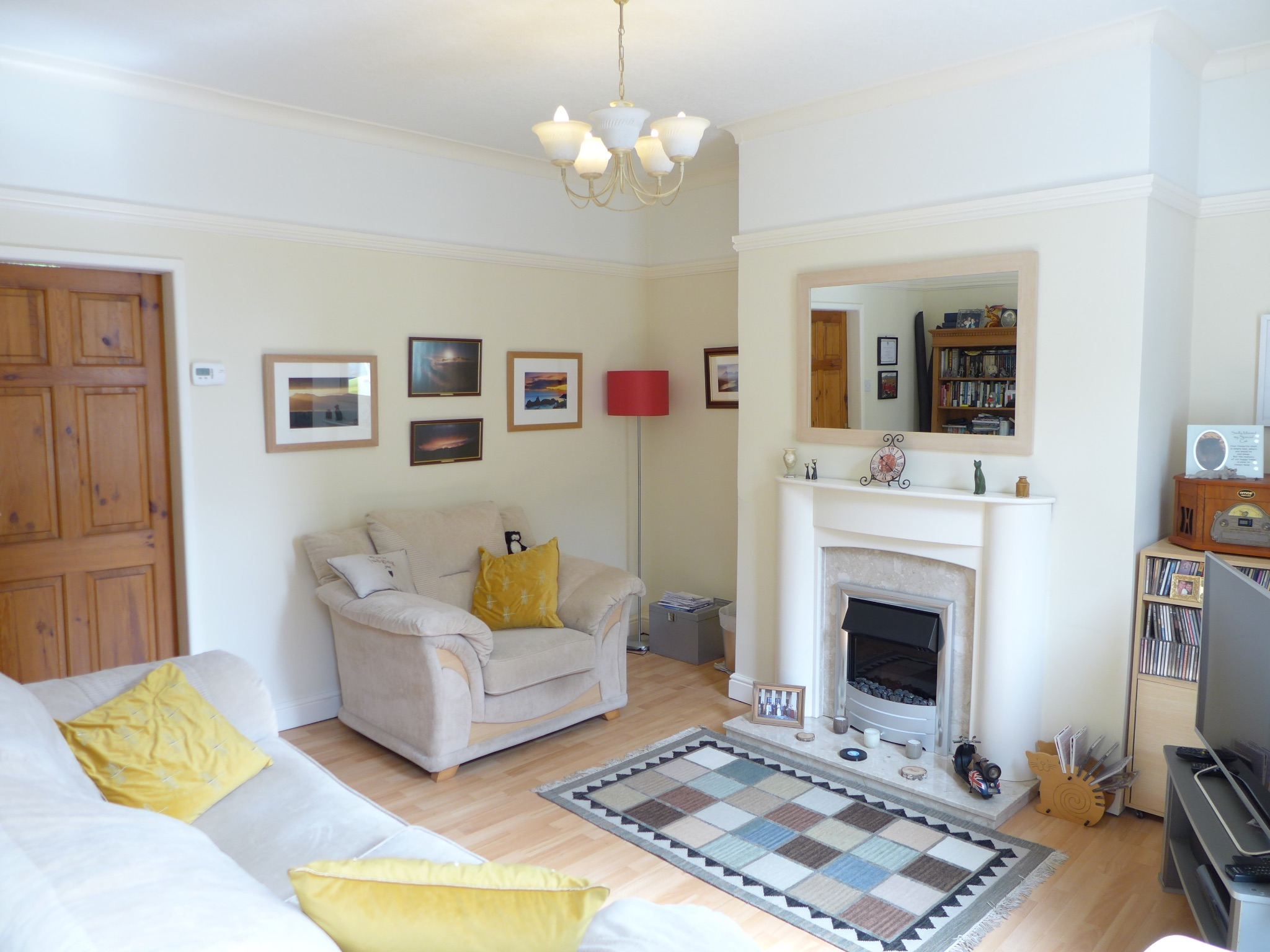 3 bedroom end terraced house For Sale in Todmorden - Photograph 2.