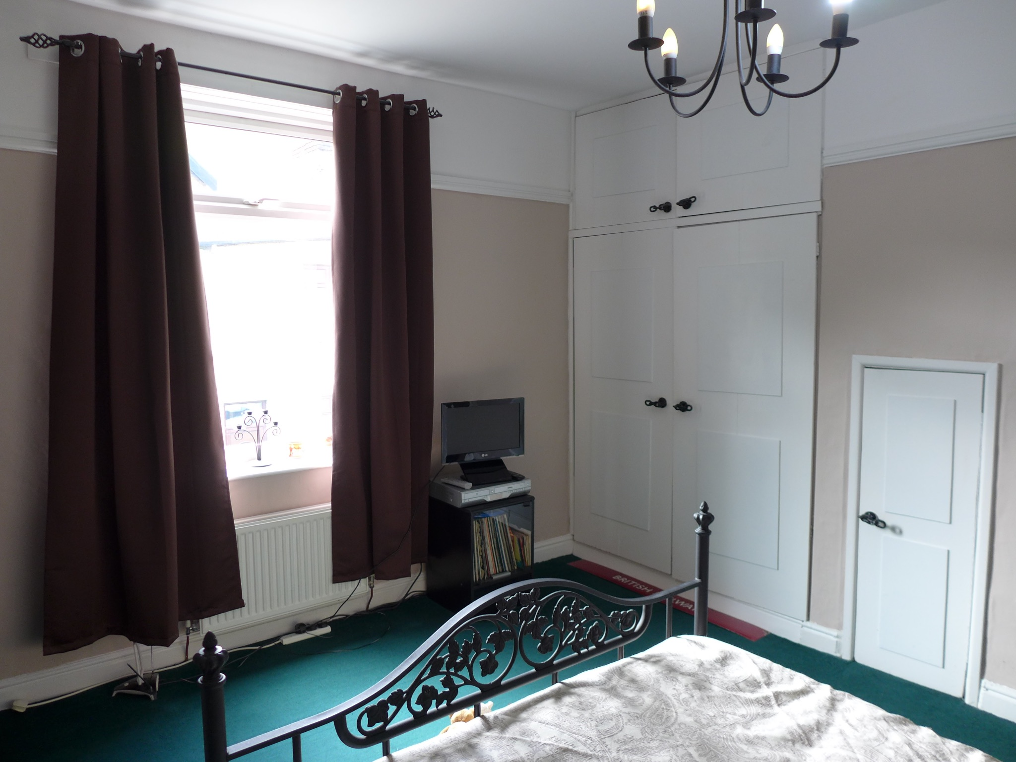 3 bedroom end terraced house For Sale in Todmorden - Photograph 11.