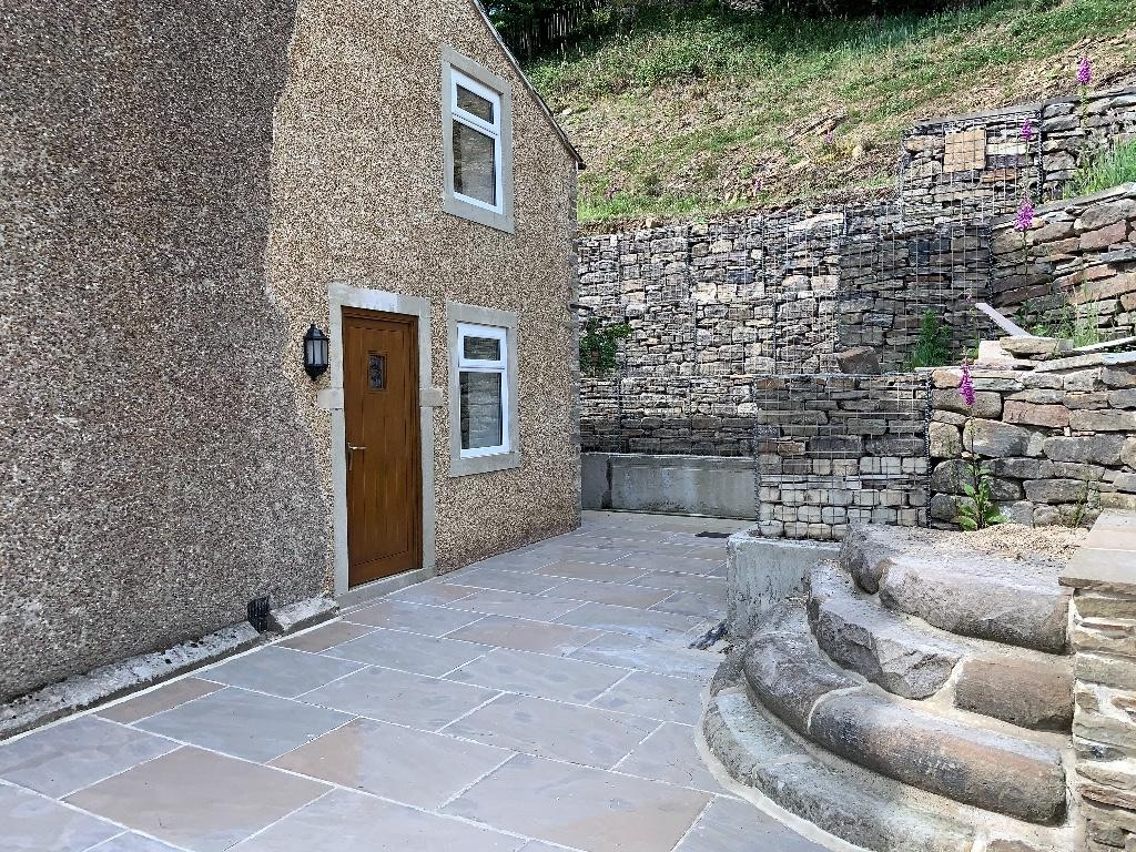 2 bedroom semi-detached house For Sale in Todmorden - Photograph 10.