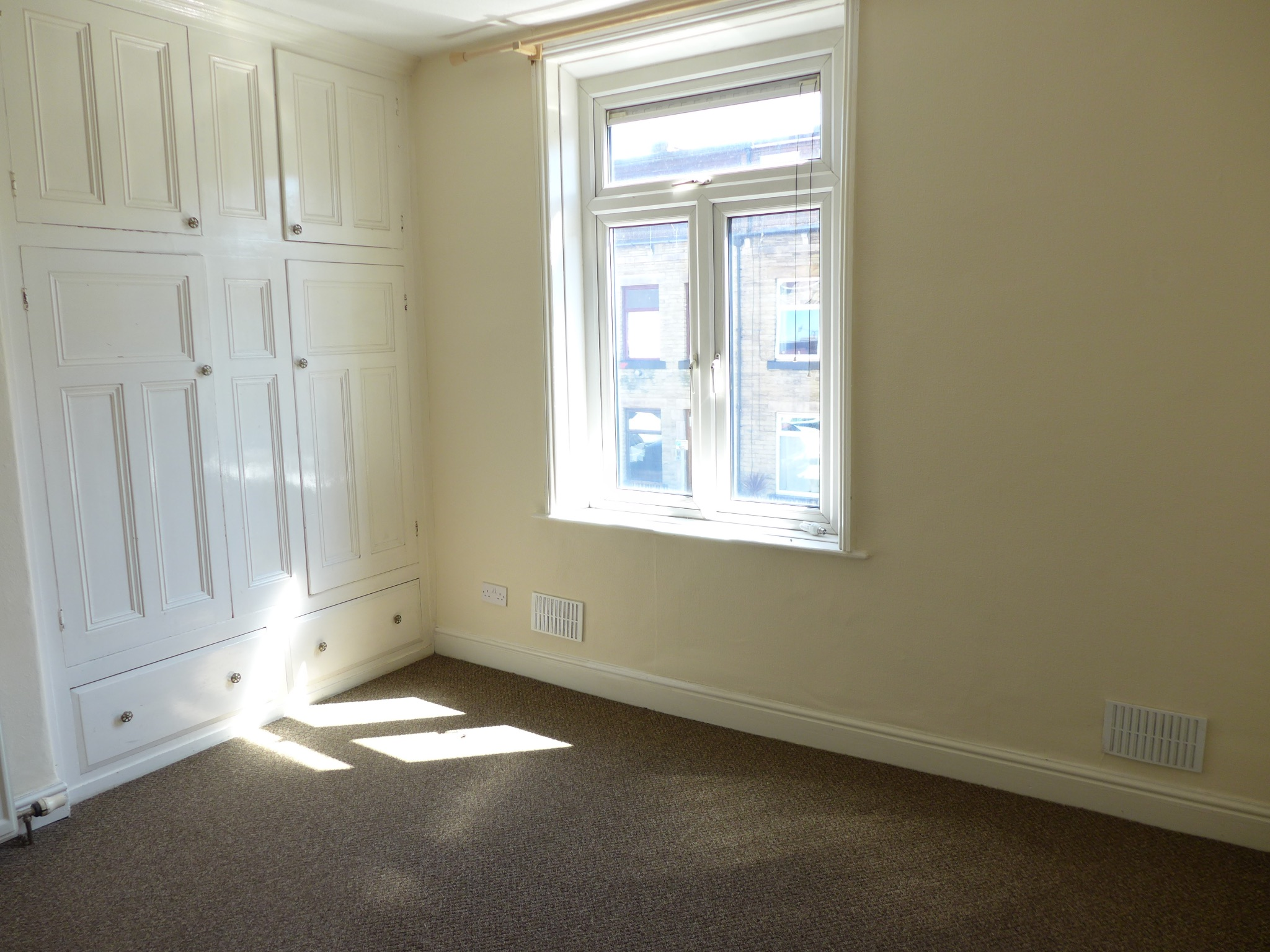 3 bedroom mid terraced house For Sale in Todmorden - Photograph 6.