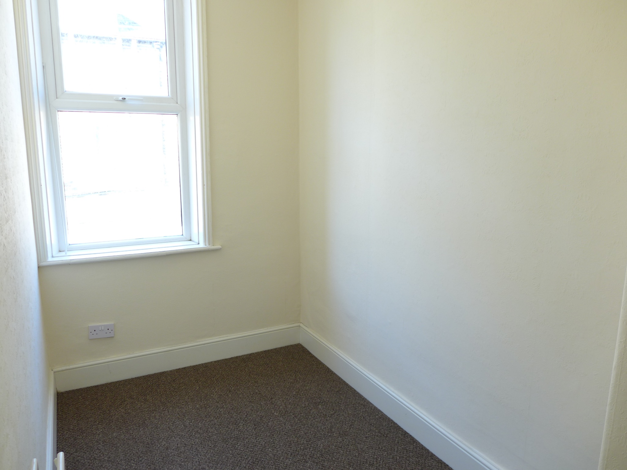 3 bedroom mid terraced house For Sale in Todmorden - Photograph 7.