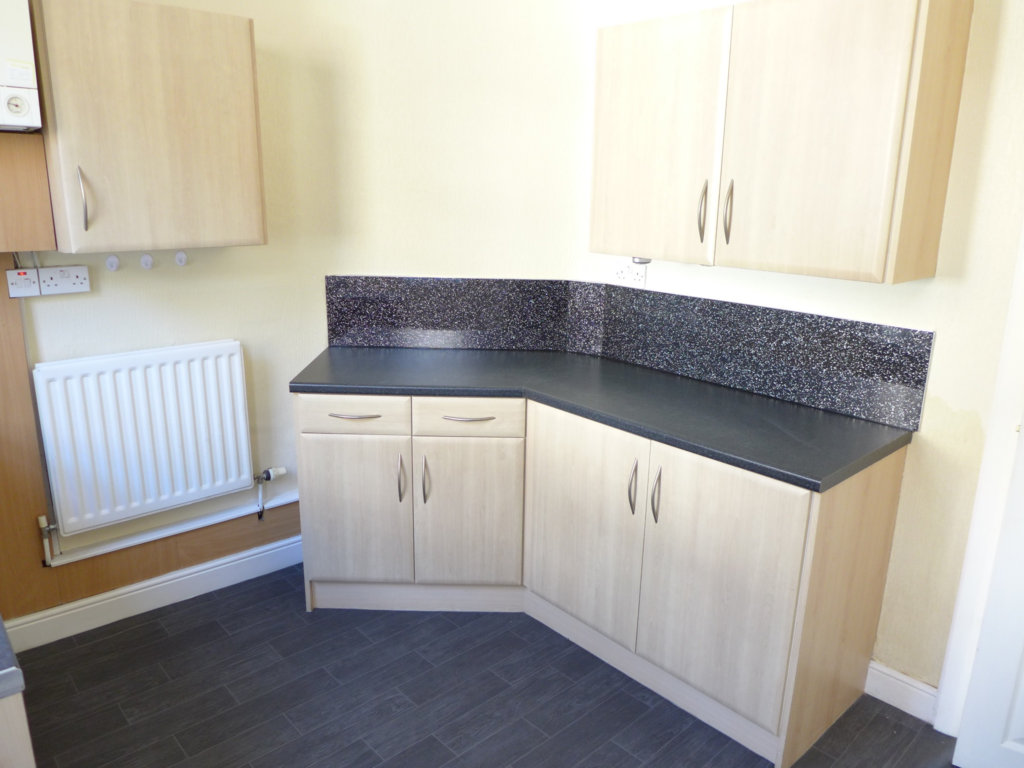 3 bedroom mid terraced house For Sale in Todmorden - Photograph 5.
