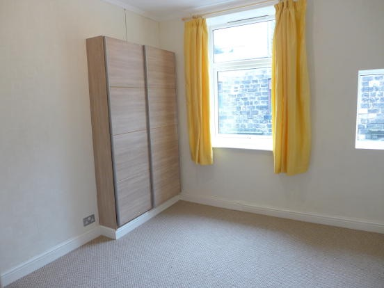 2 bedroom mid terraced house For Sale in Todmorden - Photograph 5.