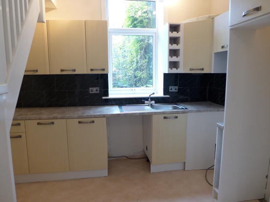 2 bedroom mid terraced house For Sale in Todmorden - Photograph 4.