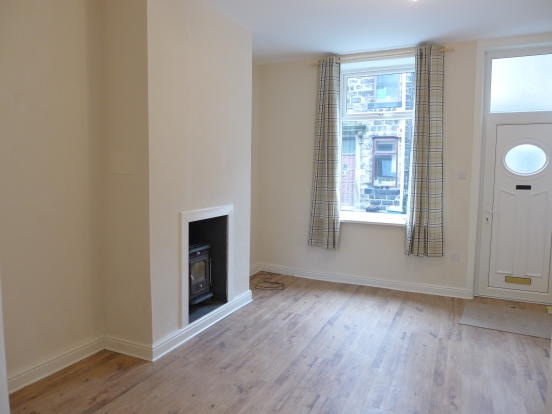 2 bedroom mid terraced house For Sale in Todmorden - Photograph 3.