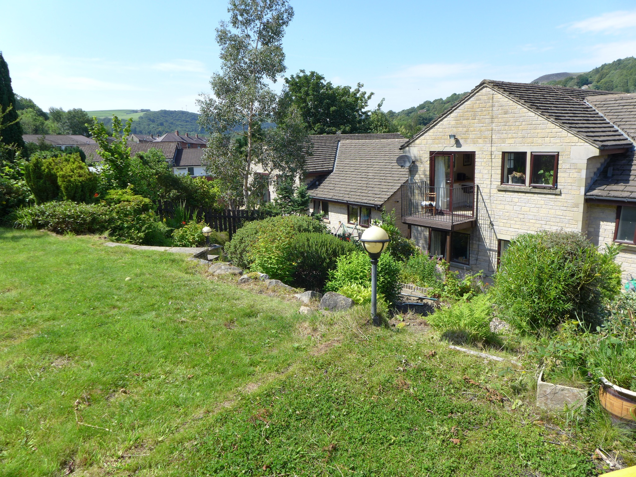 4 bedroom detached house For Sale in Todmorden - Photograph 17.