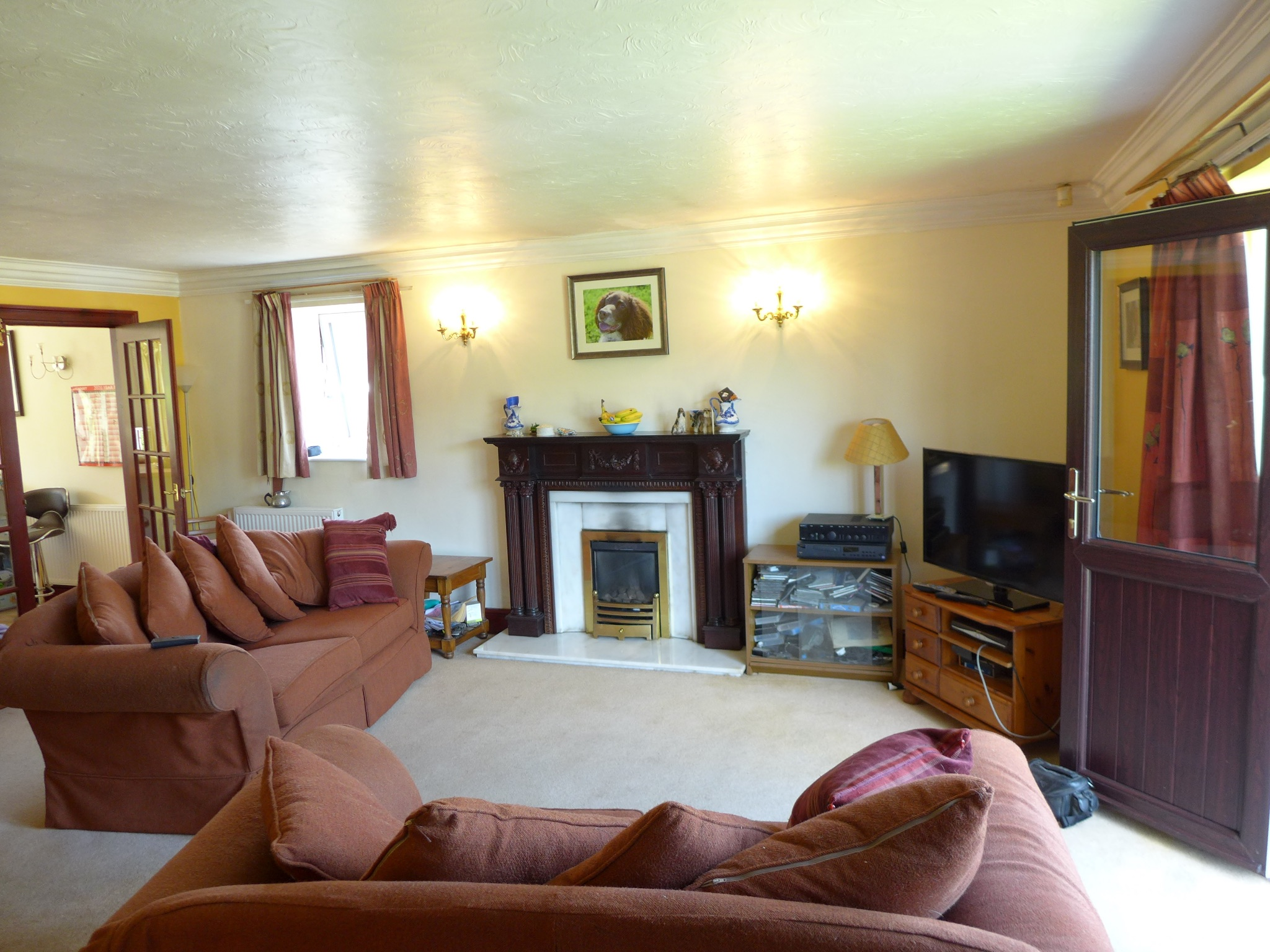 4 bedroom detached house For Sale in Todmorden - Photograph 5.