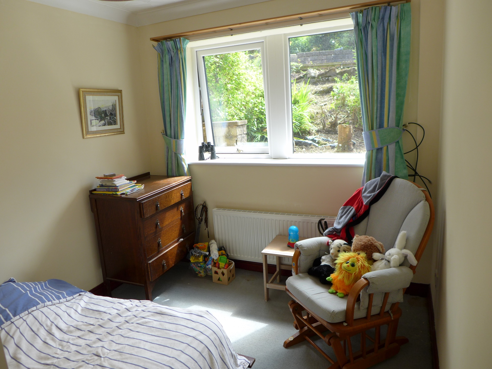 4 bedroom detached house For Sale in Todmorden - Photograph 14.