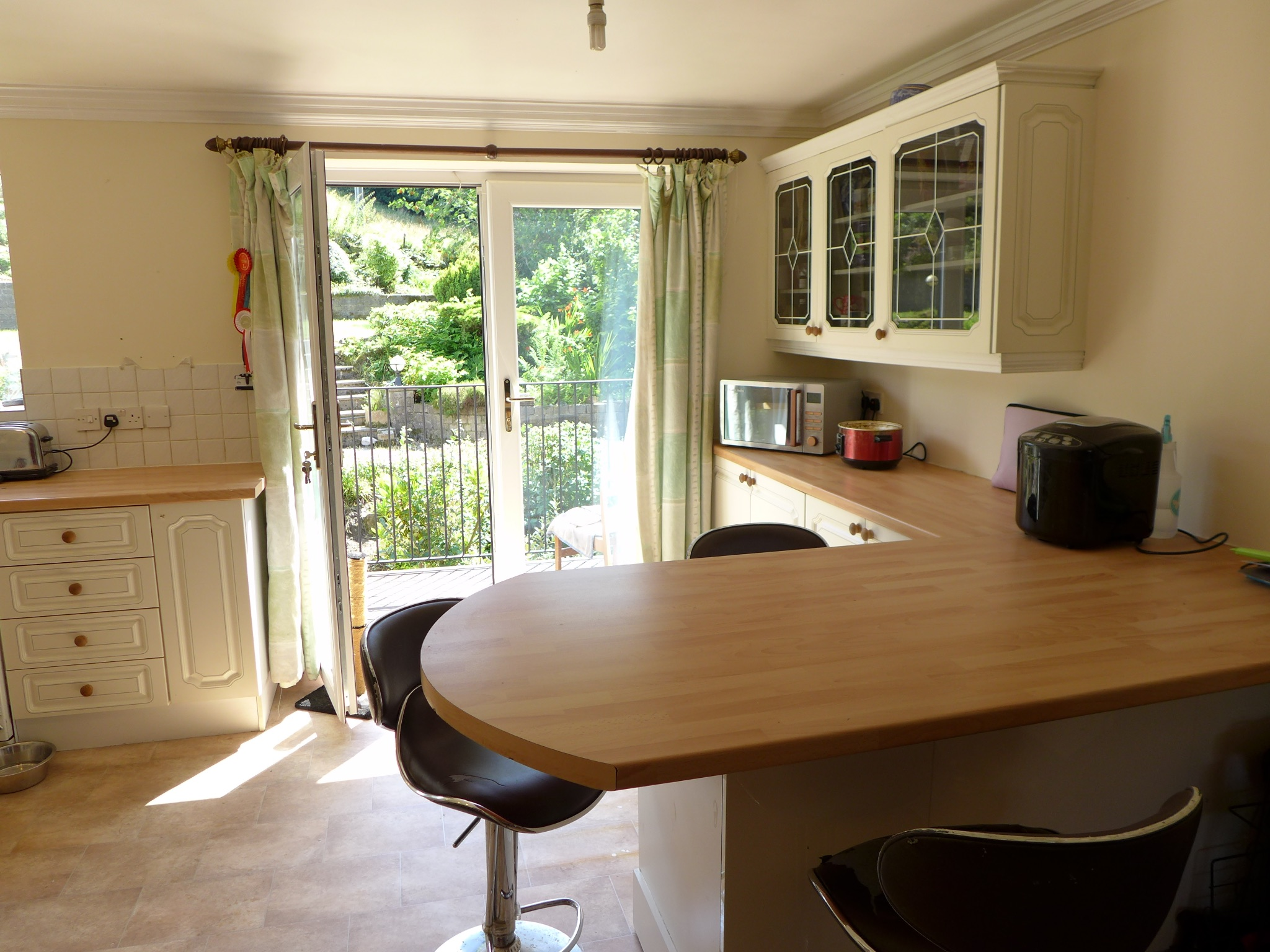 4 bedroom detached house For Sale in Todmorden - Photograph 9.