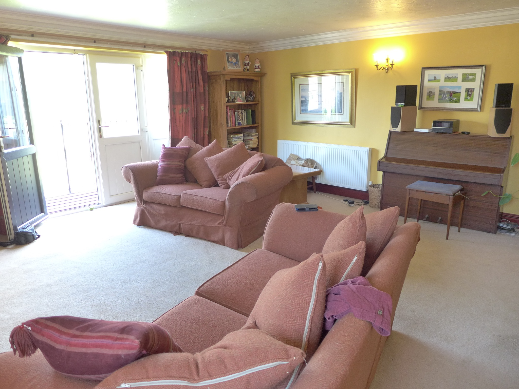 4 bedroom detached house For Sale in Todmorden - Photograph 4.
