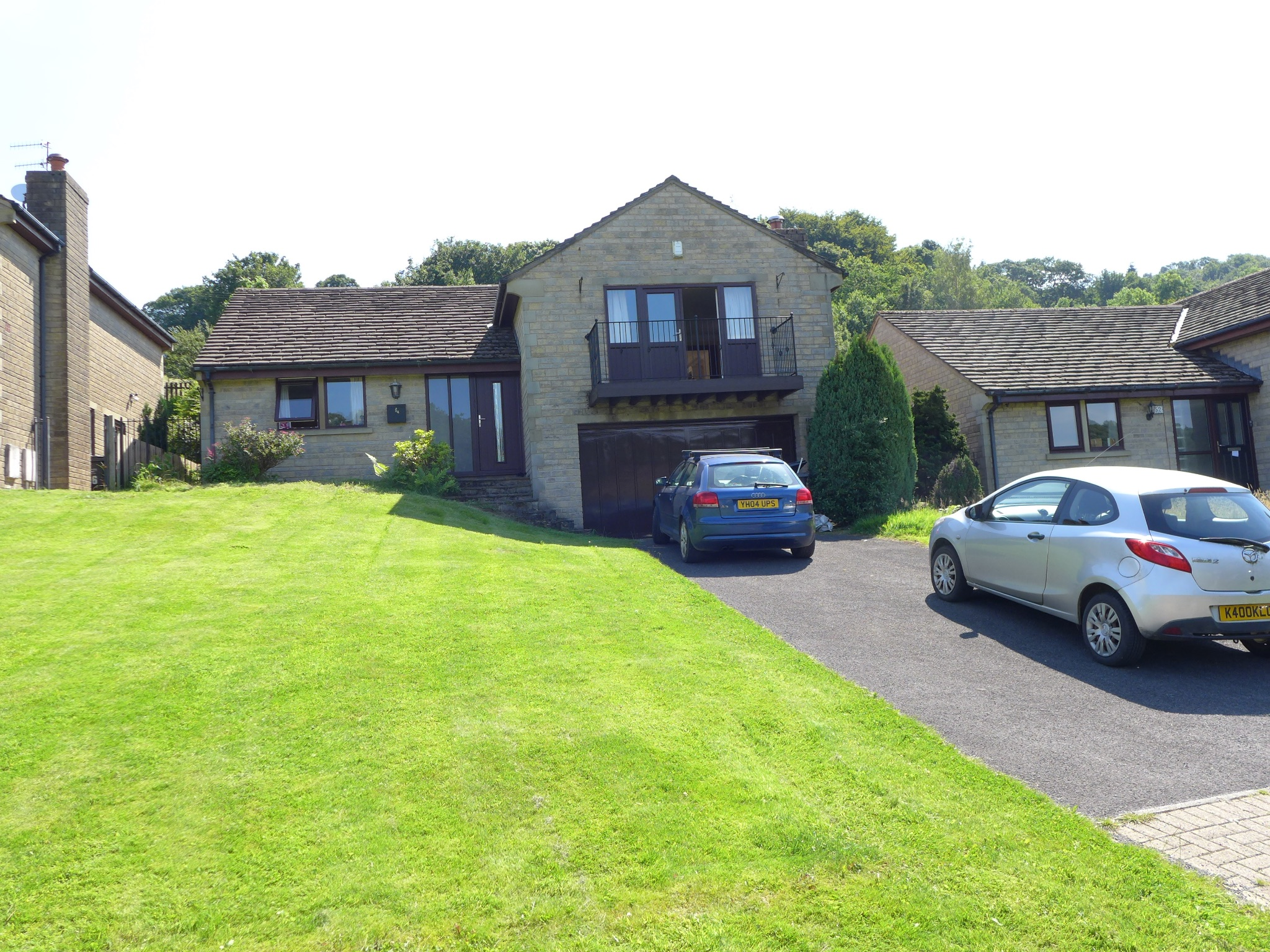 4 bedroom detached house For Sale in Todmorden - Photograph 1.