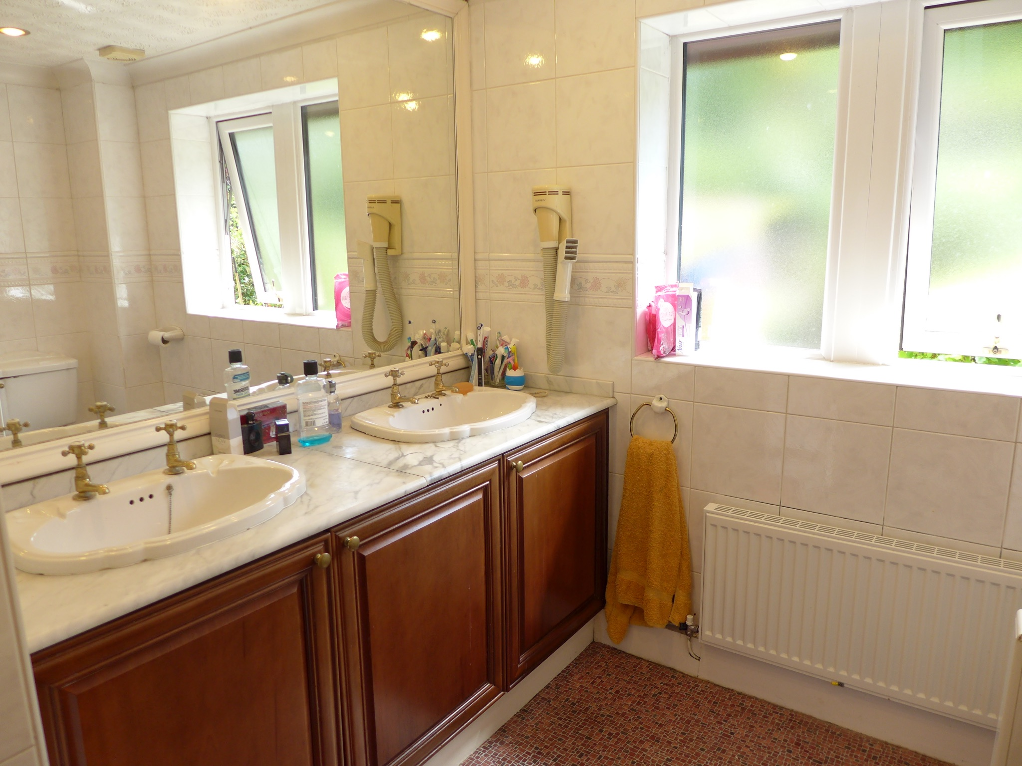 4 bedroom detached house For Sale in Todmorden - Photograph 16.