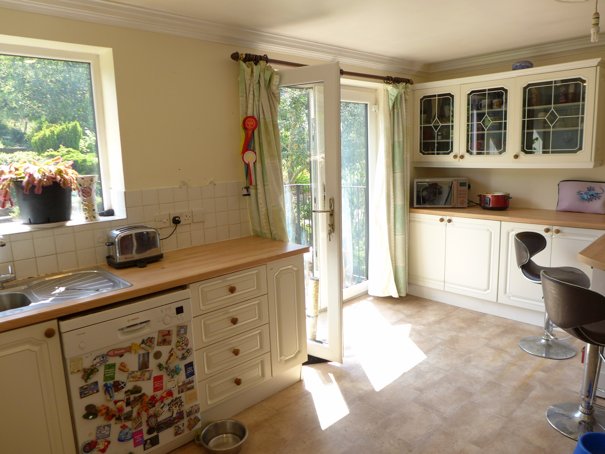 4 bedroom detached house For Sale in Todmorden - Photograph 7.