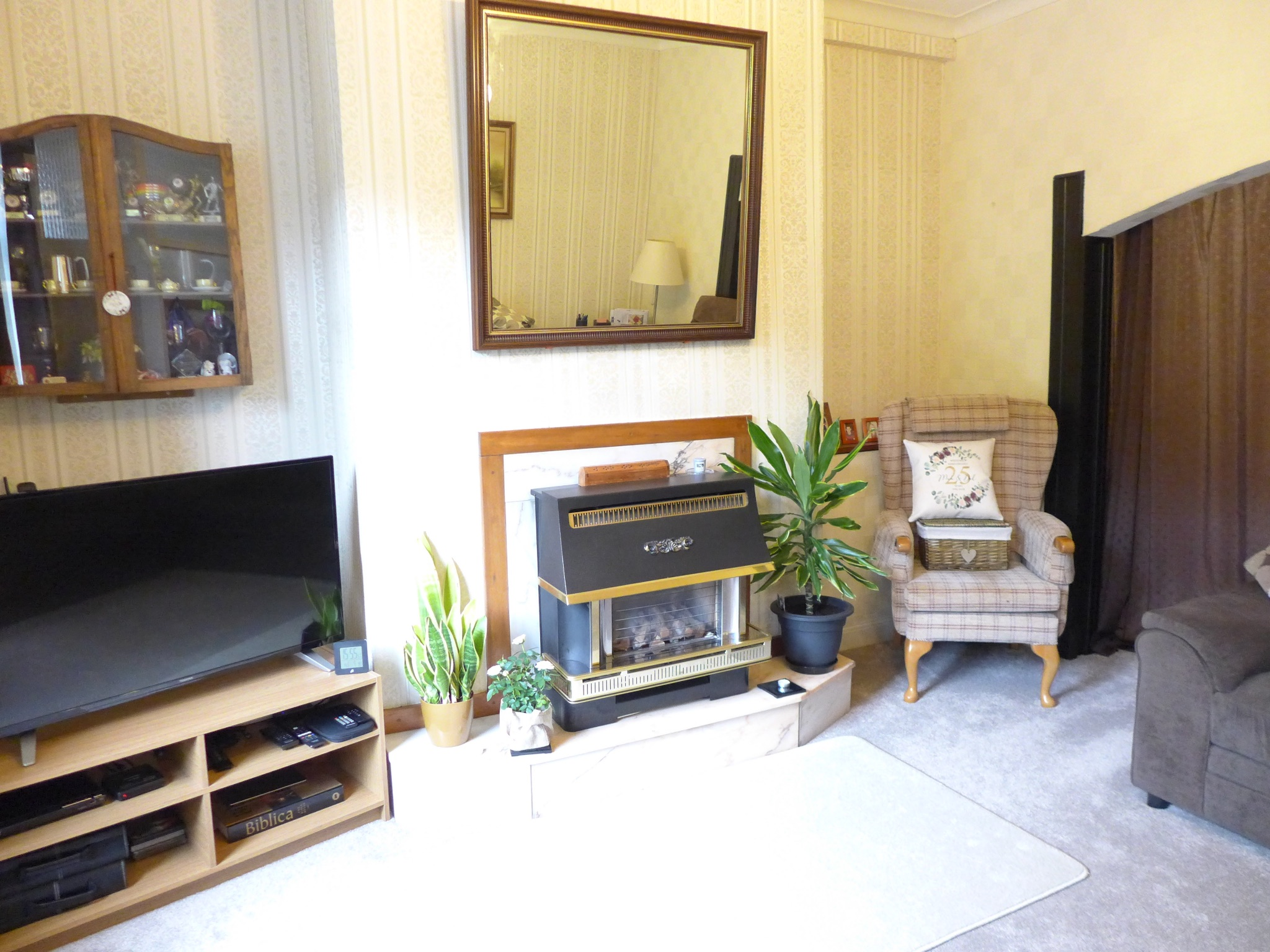 3 bedroom mid terraced house For Sale in Calderdale - Property photograph.