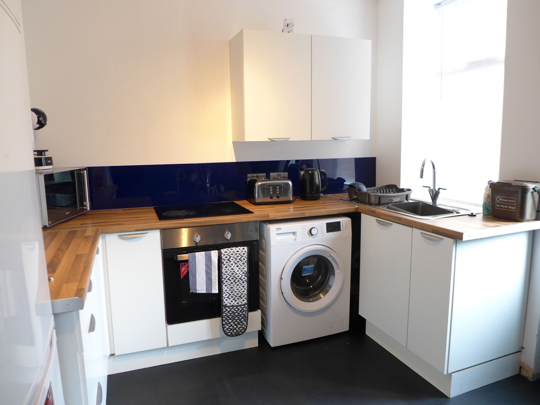 3 bedroom end terraced house For Sale in Todmorden - Photograph 5.