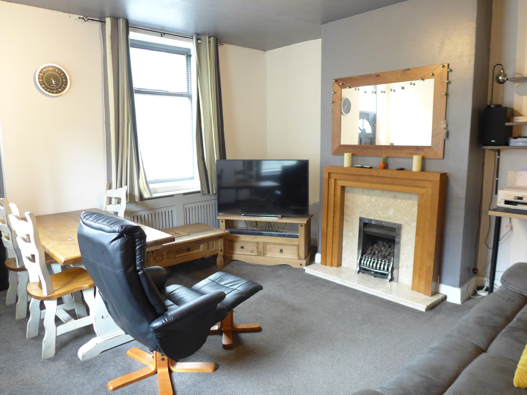 3 bedroom end terraced house For Sale in Todmorden - Photograph 3.