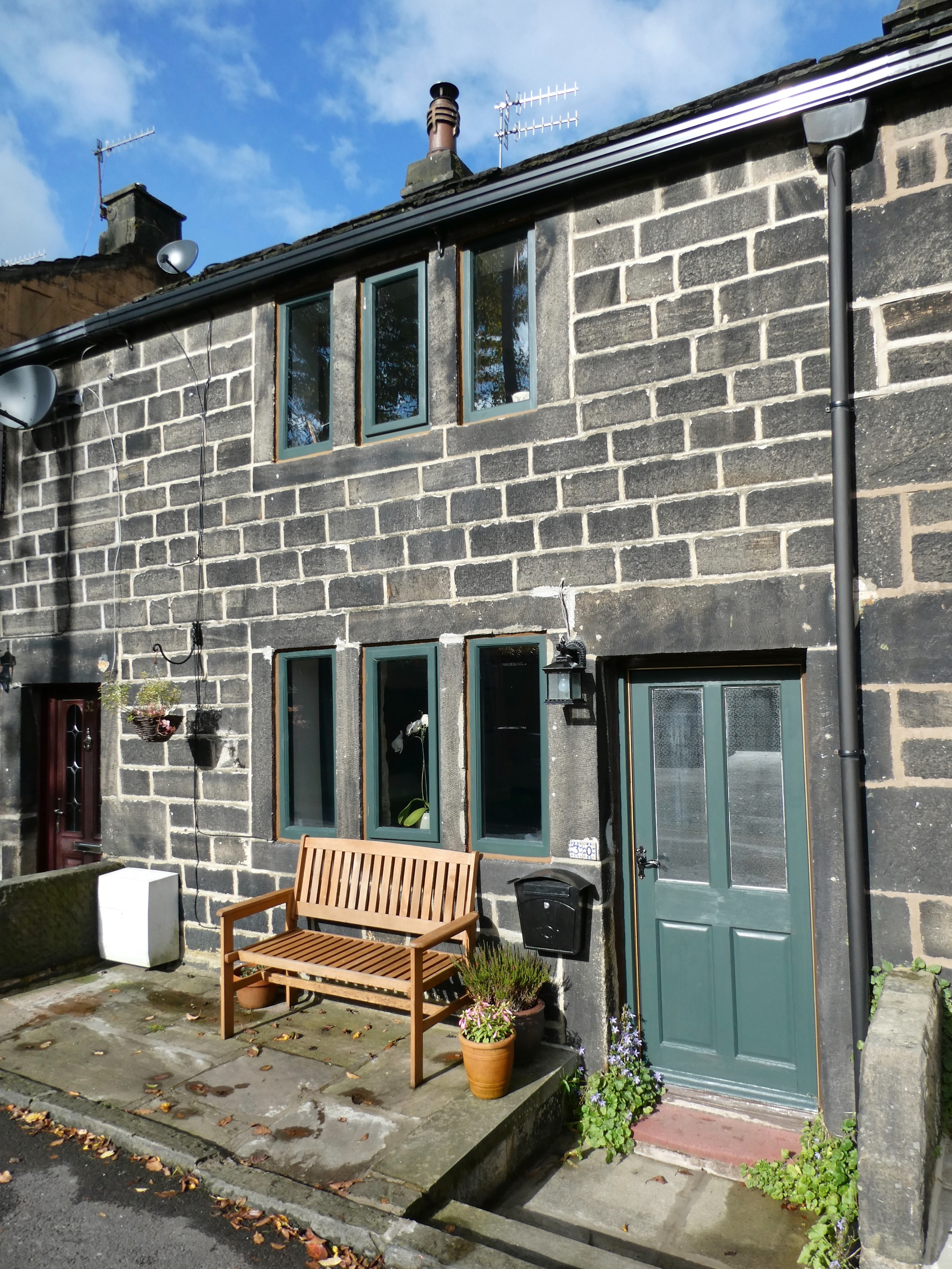 2 bedroom cottage house For Sale in Calderdale - Photograph 1.