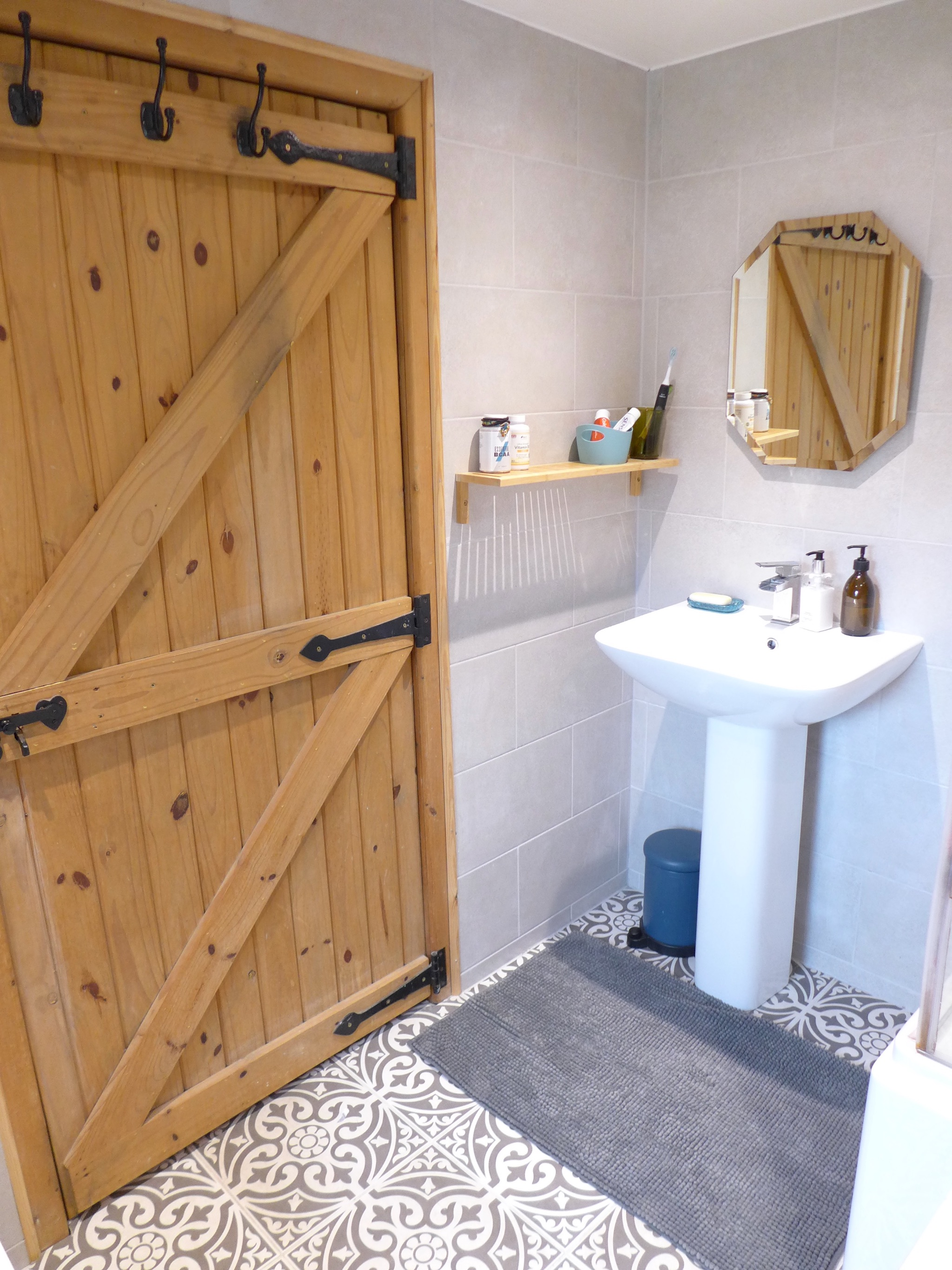 2 bedroom cottage house For Sale in Calderdale - Photograph 17.