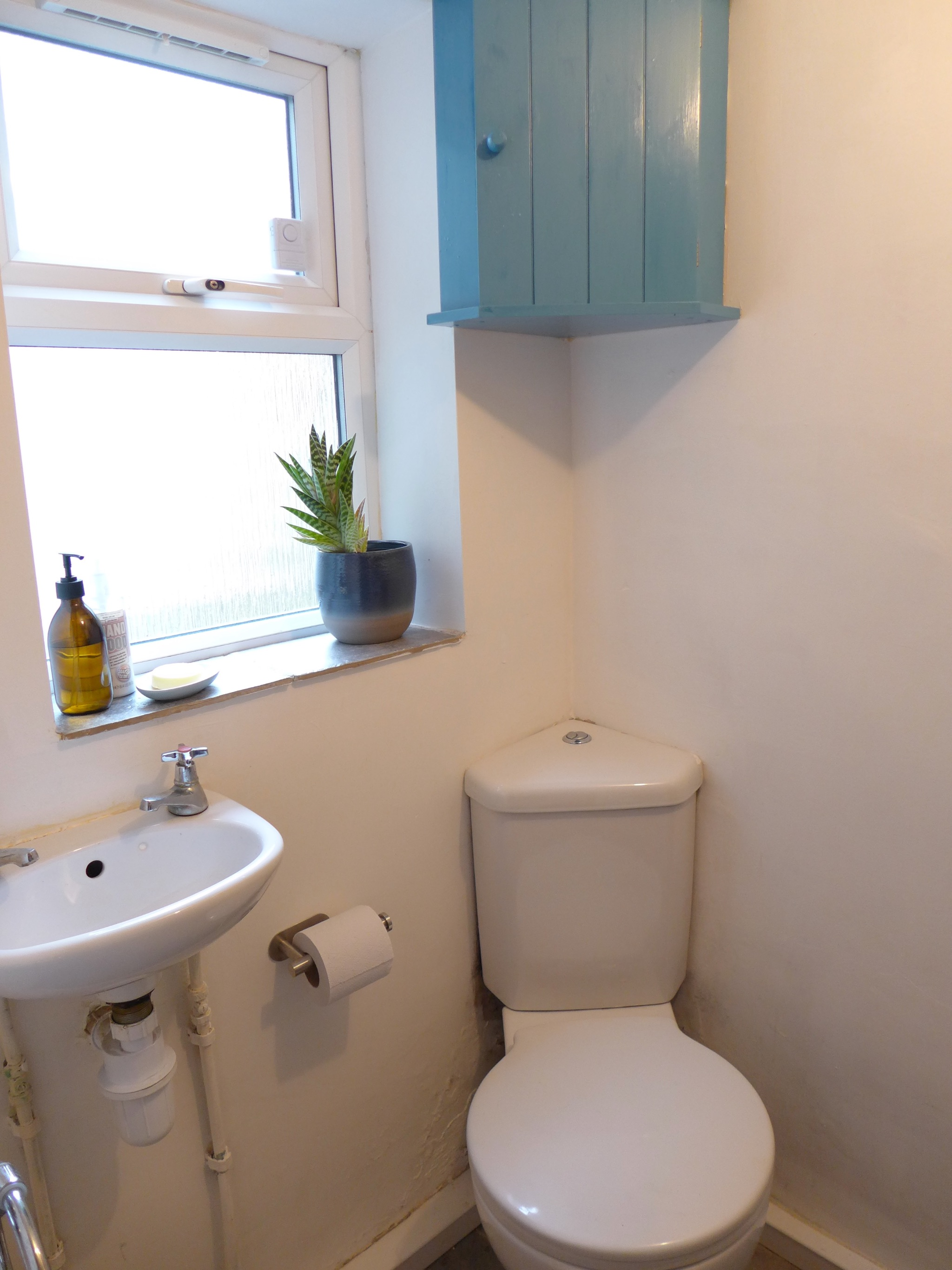 2 bedroom cottage house For Sale in Calderdale - Photograph 9.