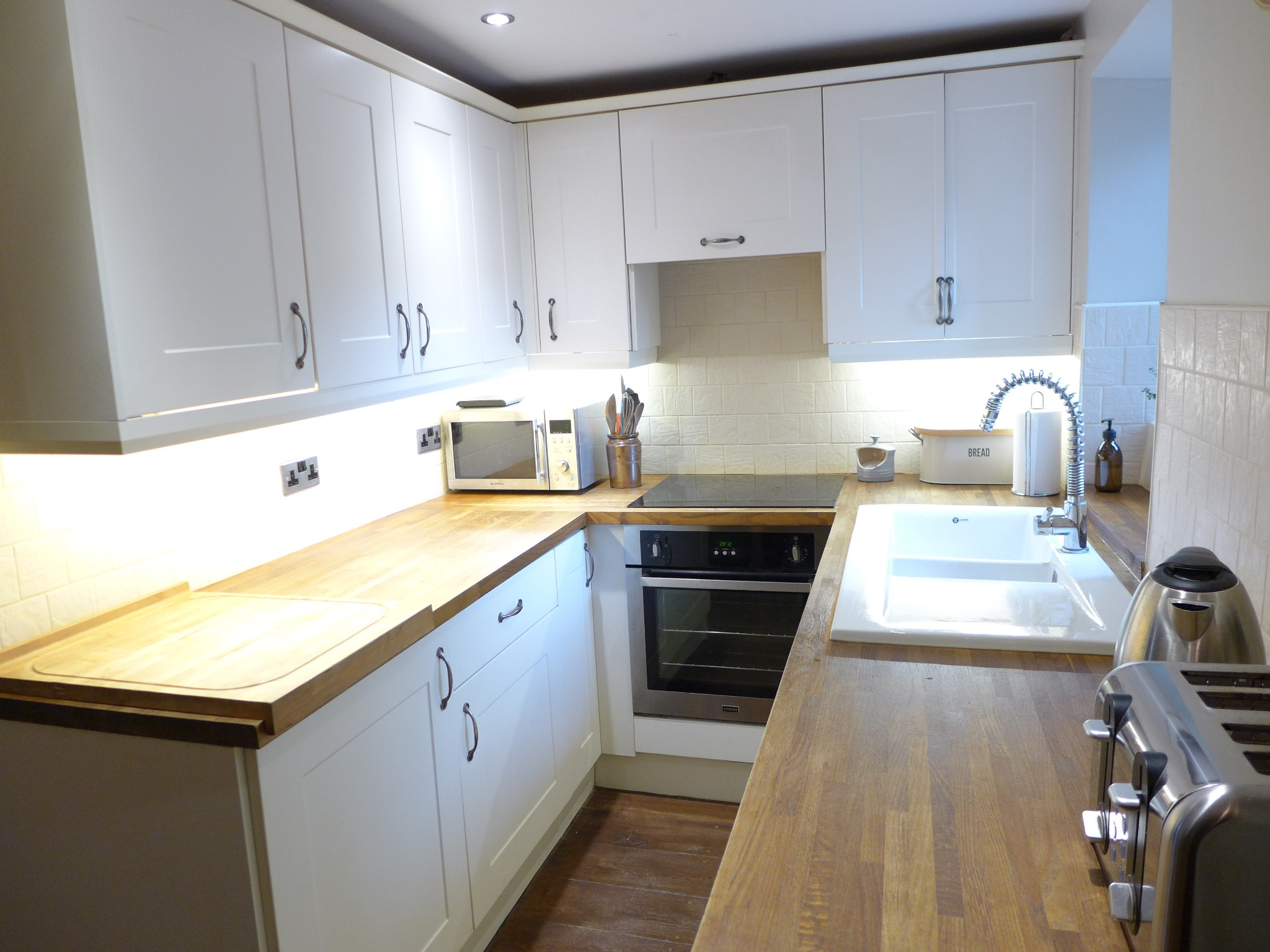 2 bedroom cottage house For Sale in Calderdale - Photograph 6.