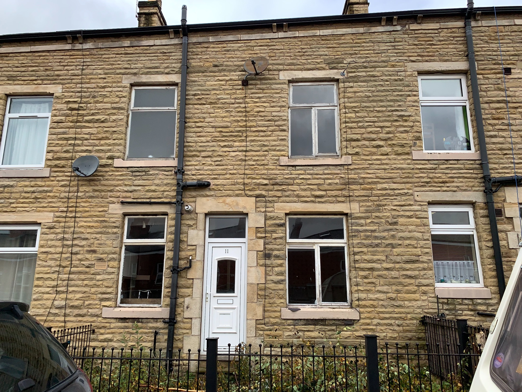 2 bedroom mid terraced house For Sale in Todmorden - Property photograph.