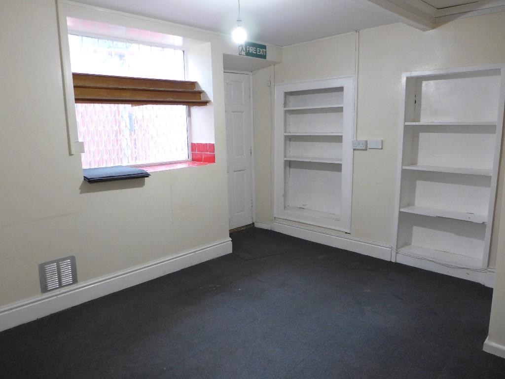 Empty Retail Premises To Let in Calderdale - Photograph 5.