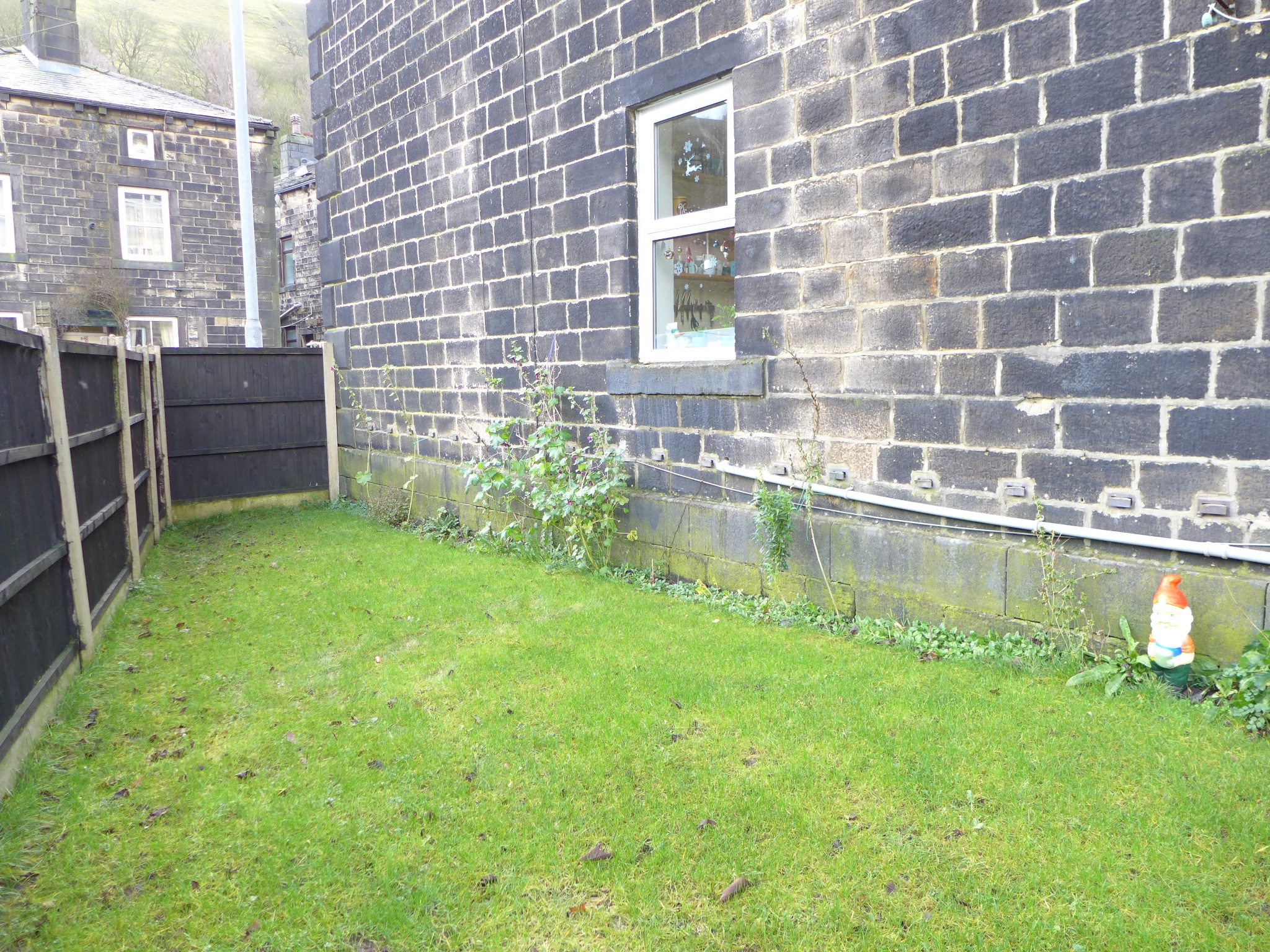 4 bedroom end terraced house For Sale in Calderdale - Photograph 26.