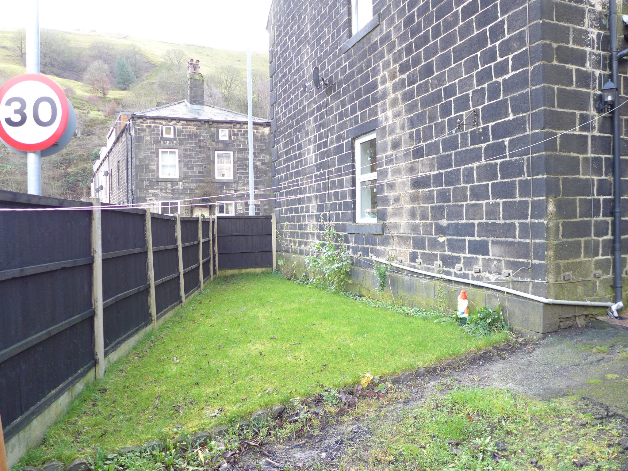 4 bedroom end terraced house For Sale in Calderdale - Photograph 25.
