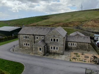 3 bedroom detached house For Sale in Todmorden - Photograph 1.