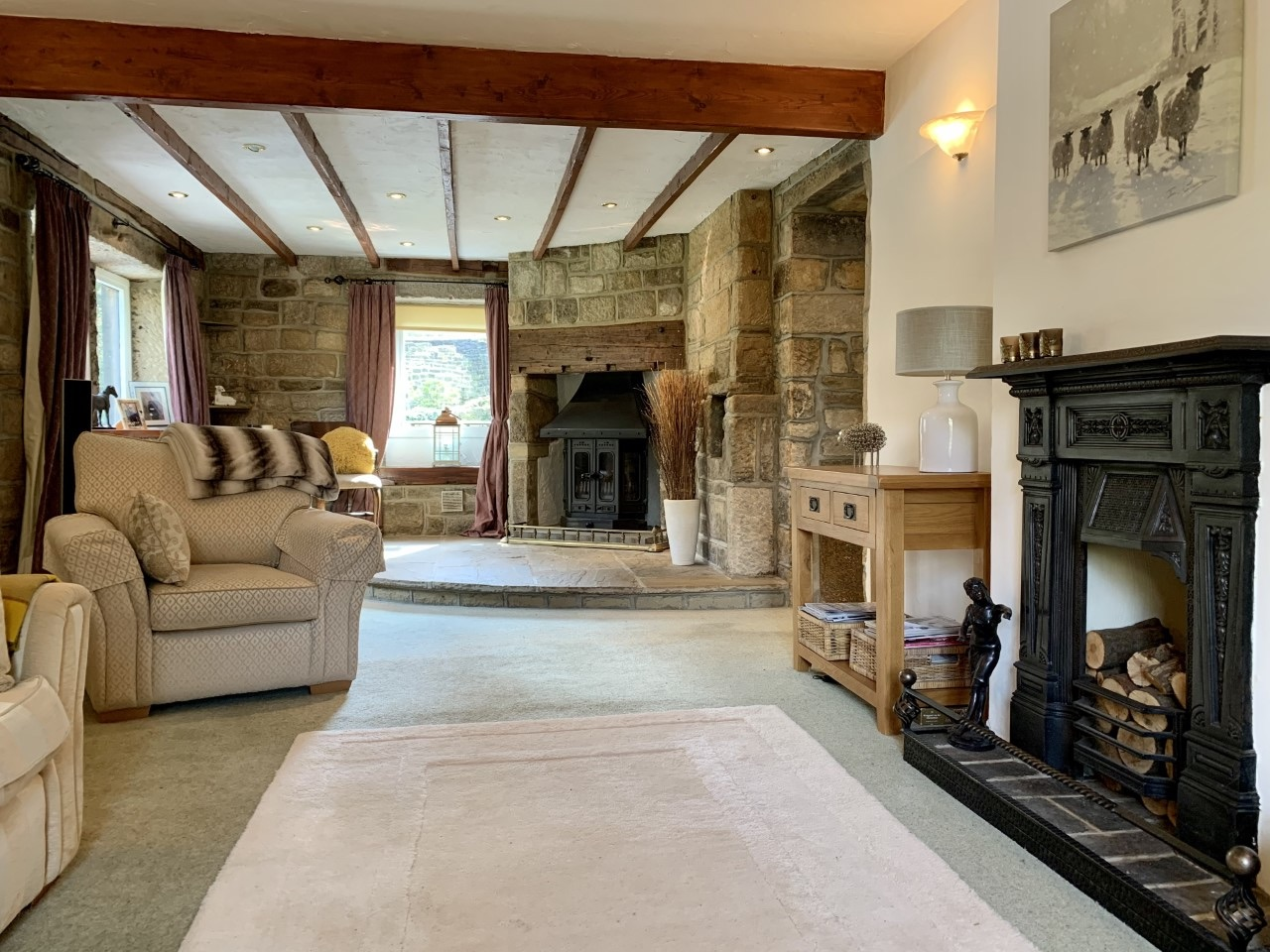 3 bedroom detached house For Sale in Calderdale - Photograph 3.
