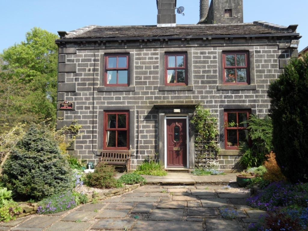 3 bedroom detached house For Sale in Calderdale - Photograph 1.